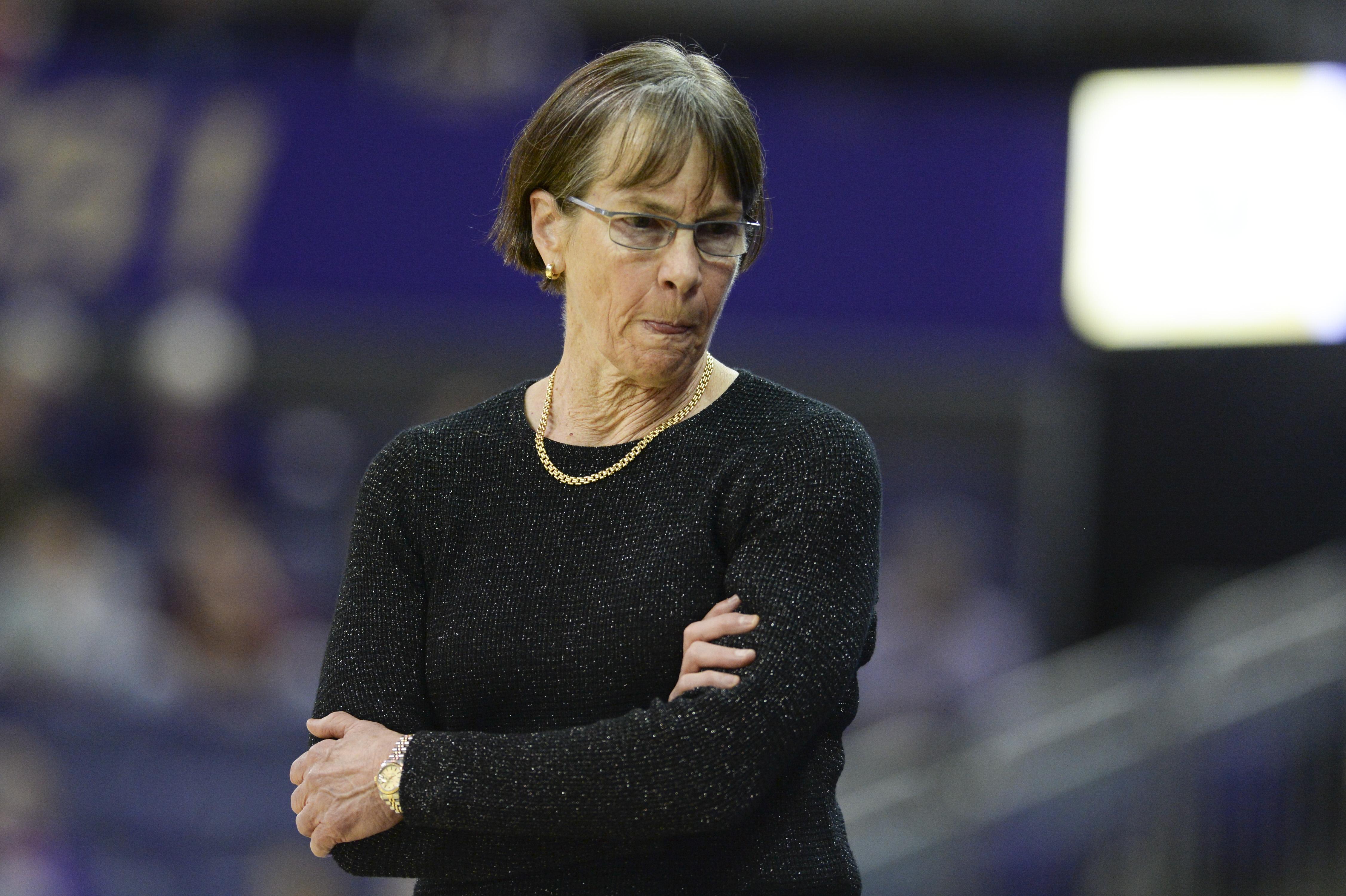 COLLEGE BASKETBALL: JAN 31 Women's Stanford at Washington