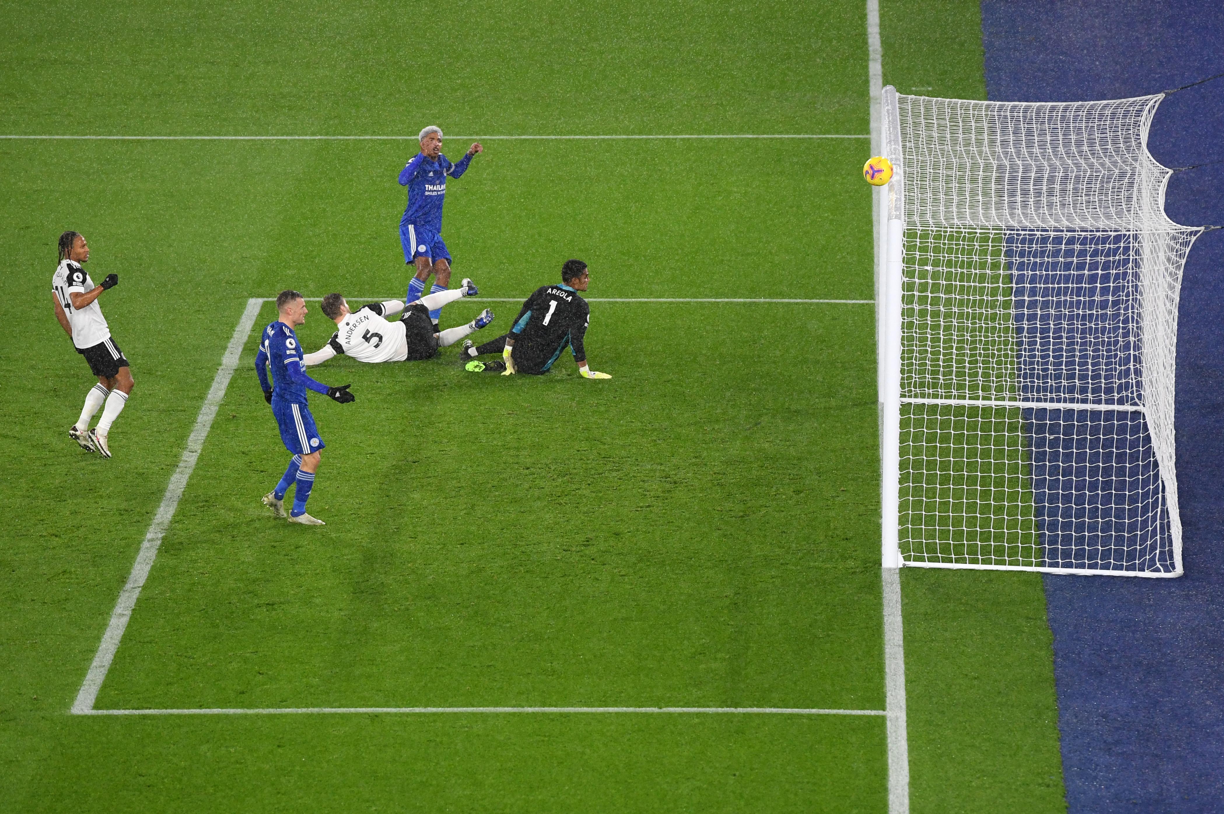 Leicester City v Fulham - Premier League