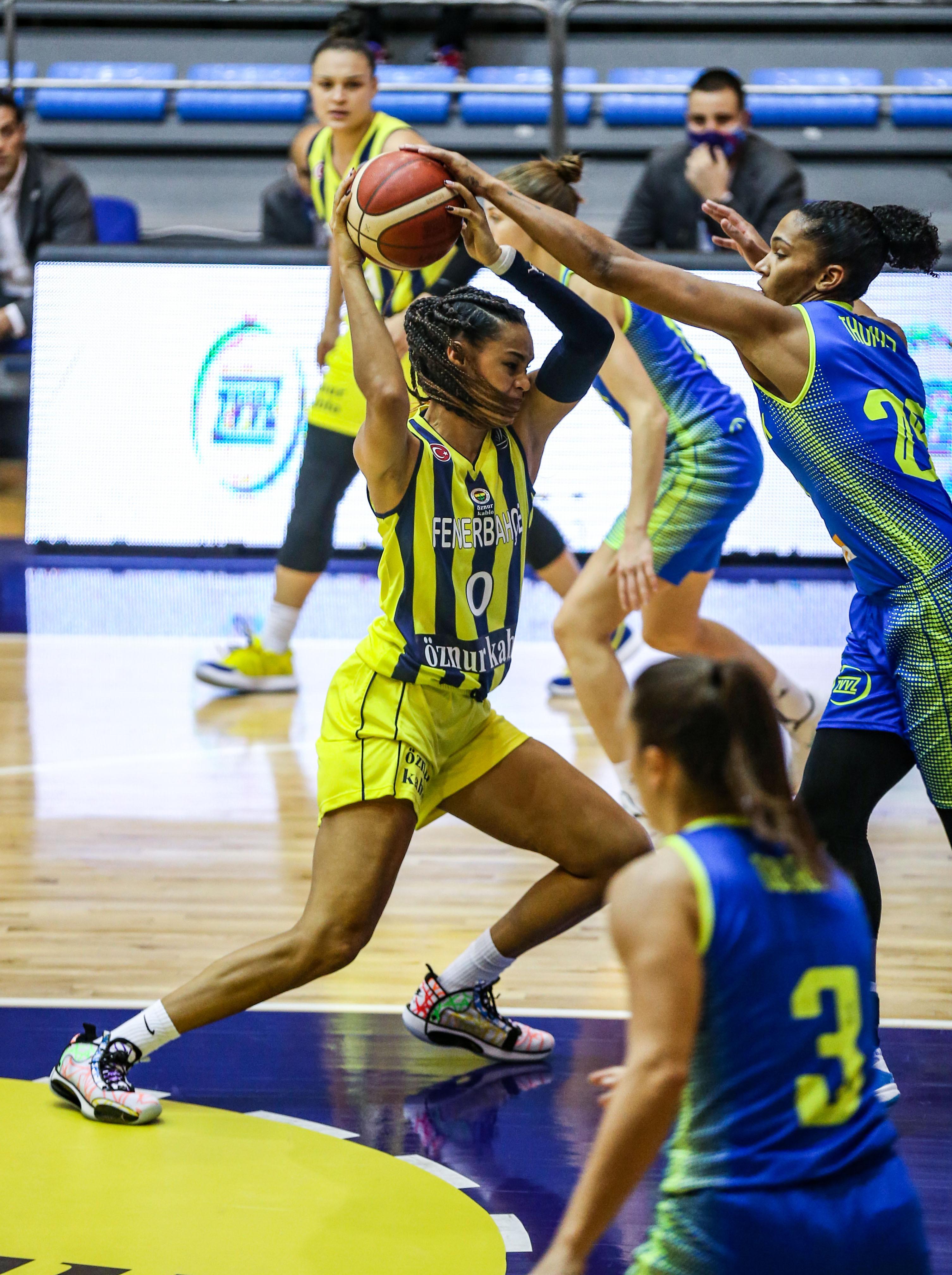 Fenerbahce Oznur Kablo v USK Praha - FIBA EuroLeague Women