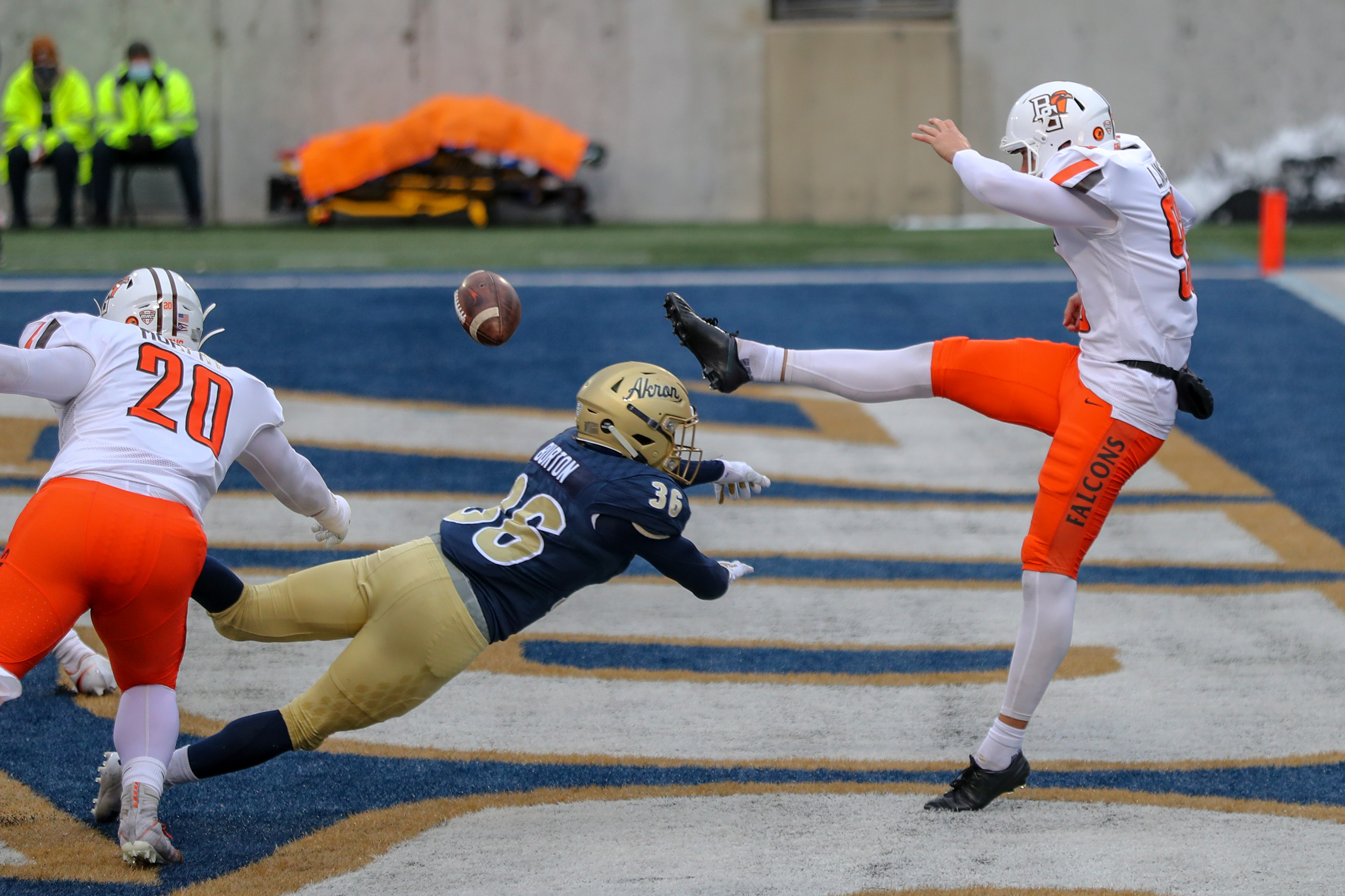 COLLEGE FOOTBALL: DEC 05 Bowling Green at Akron