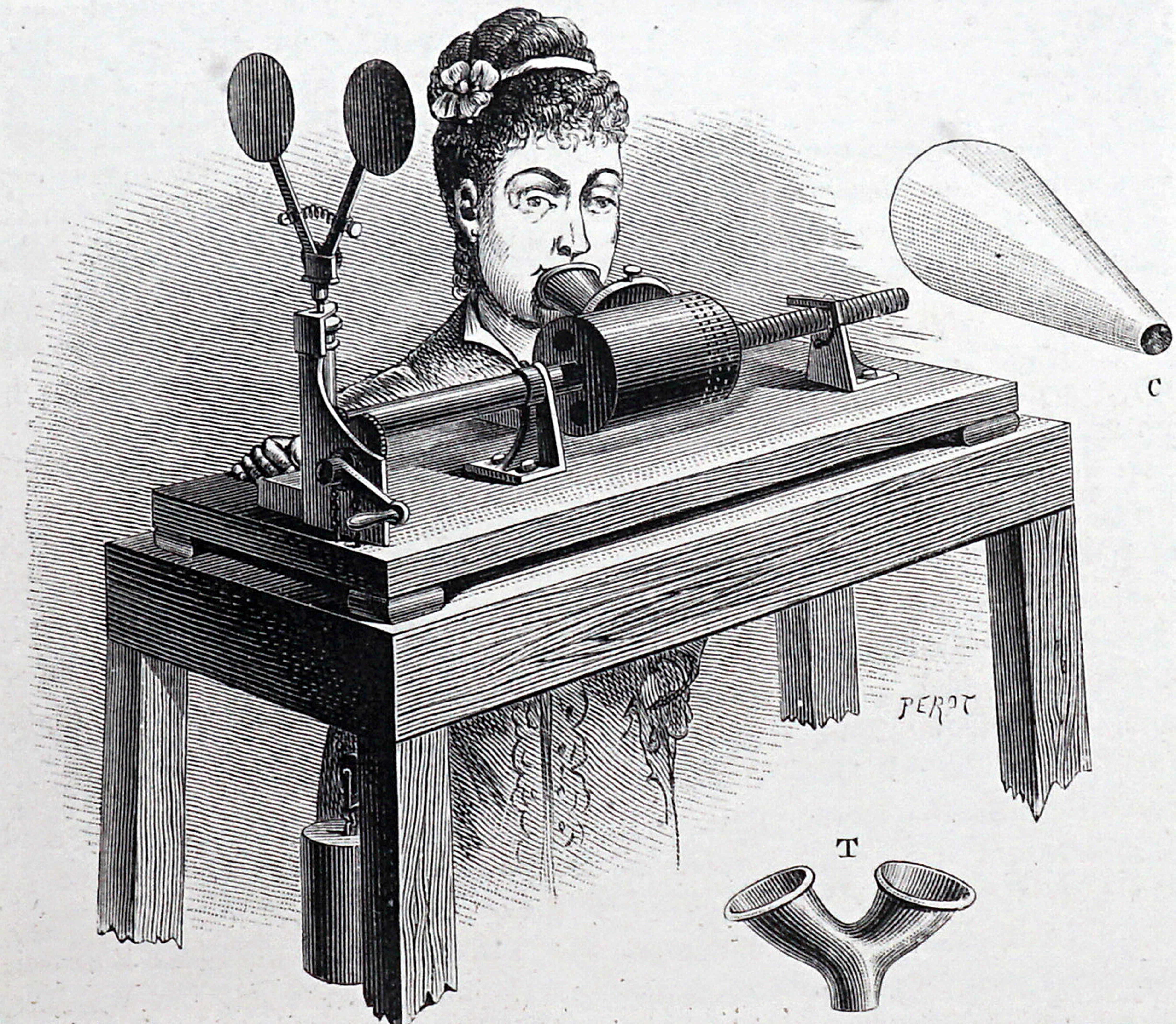 Making a recording on Edison Clockwork Phonograph.