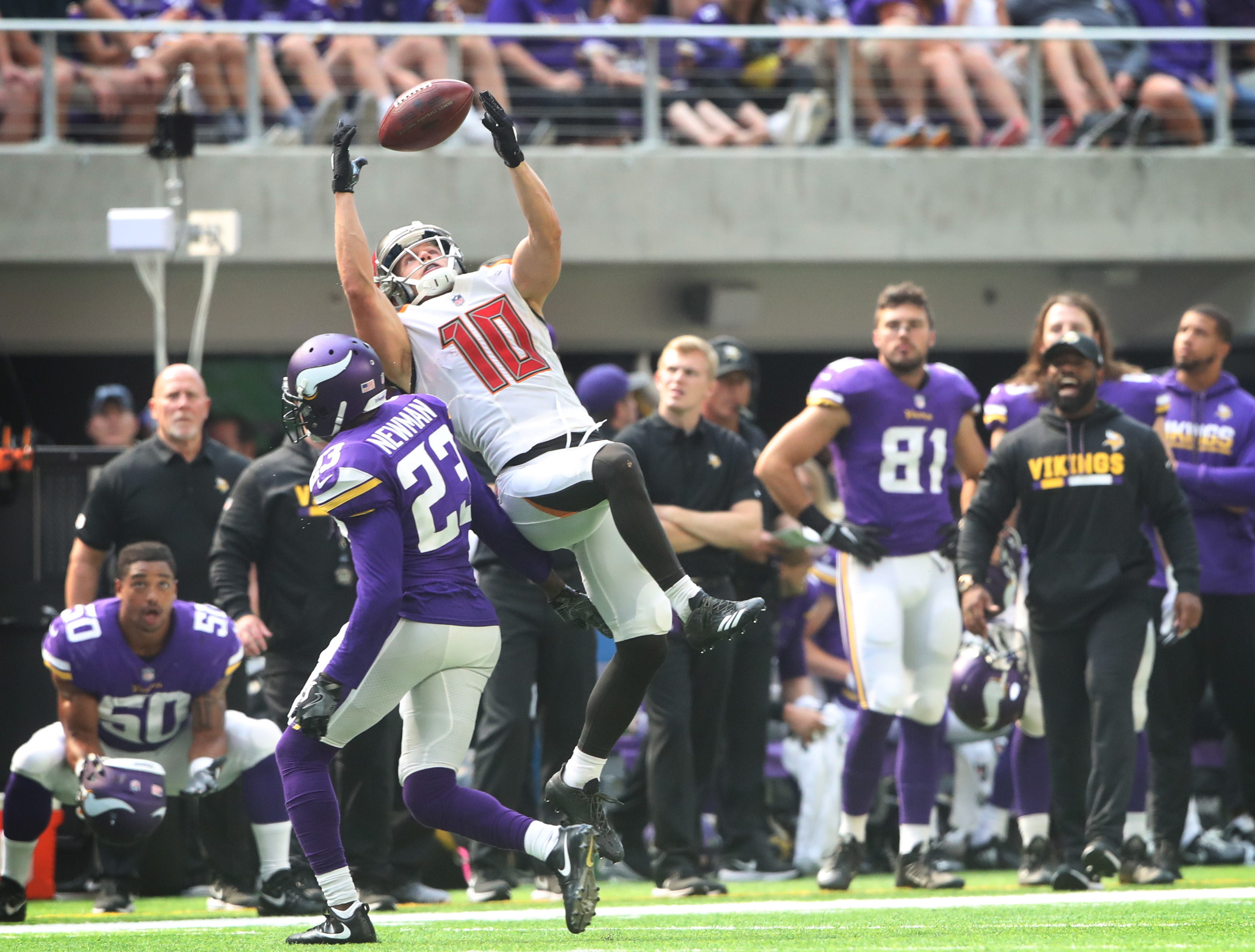 Tampa Bay Buccaneers wide receiver Adam Humphries (10) caught a first down catch over Minnesota Vikings cornerback Terence Newman (23) in the firth quarter at U.S. Bank Stadium Sunday September 24,2017 in Minneapolis ,MN. ] JERRY HOLT • jerry.holt@st