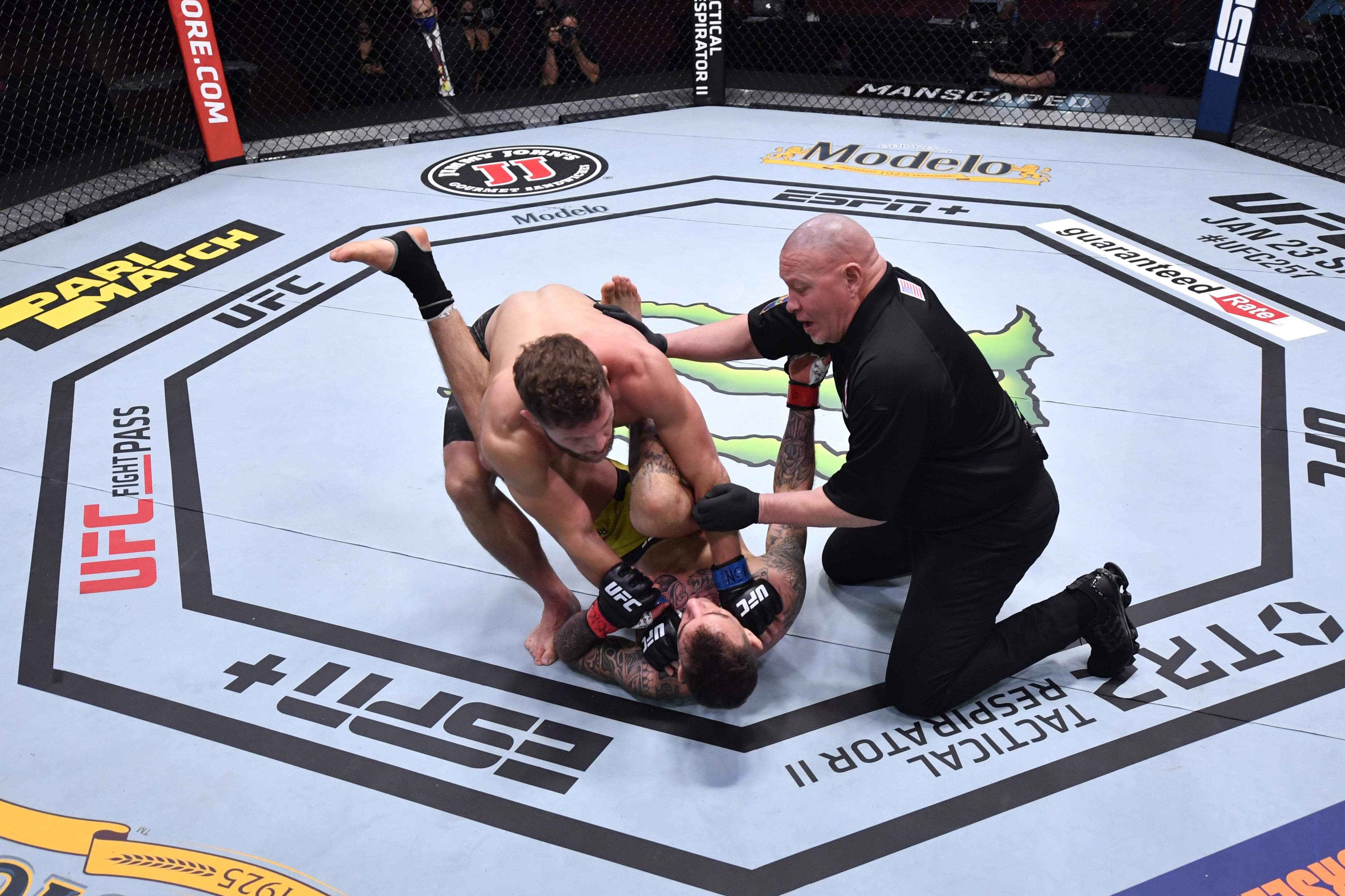 UFC 256: Moicano v Fiziev