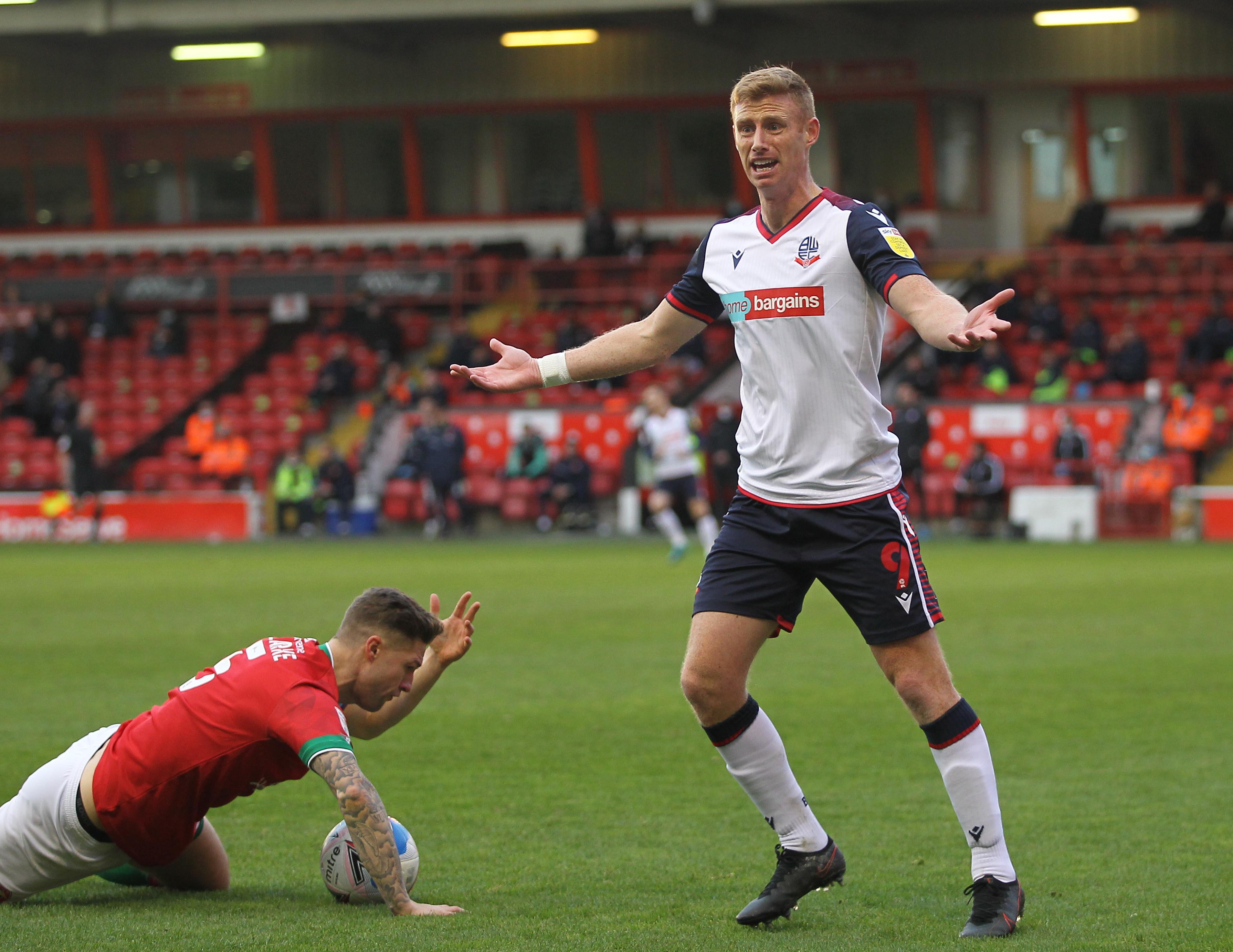 Walsall v Bolton Wanderers - Sky Bet League Two