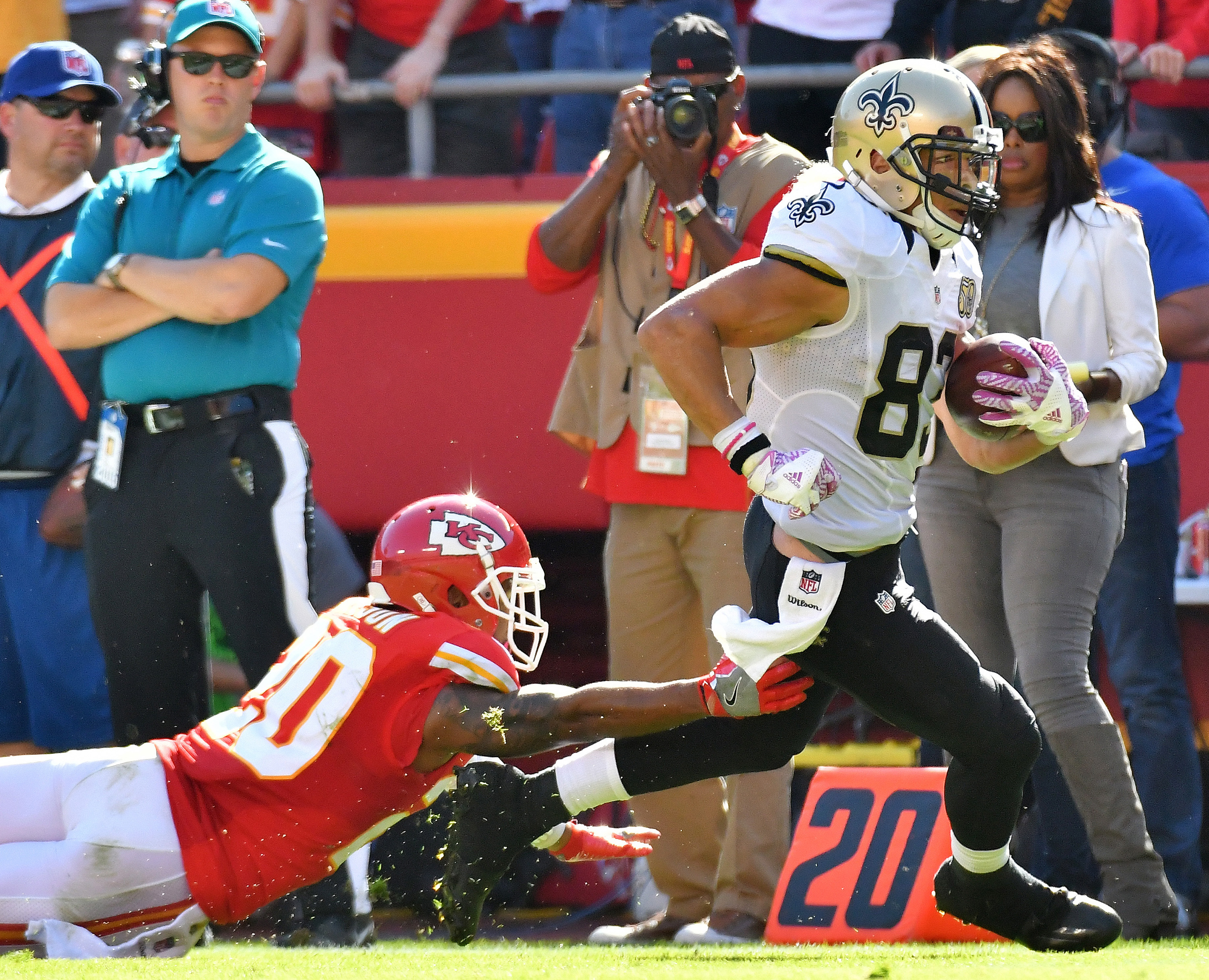 Chiefs hold on for 27-21 win over Saints