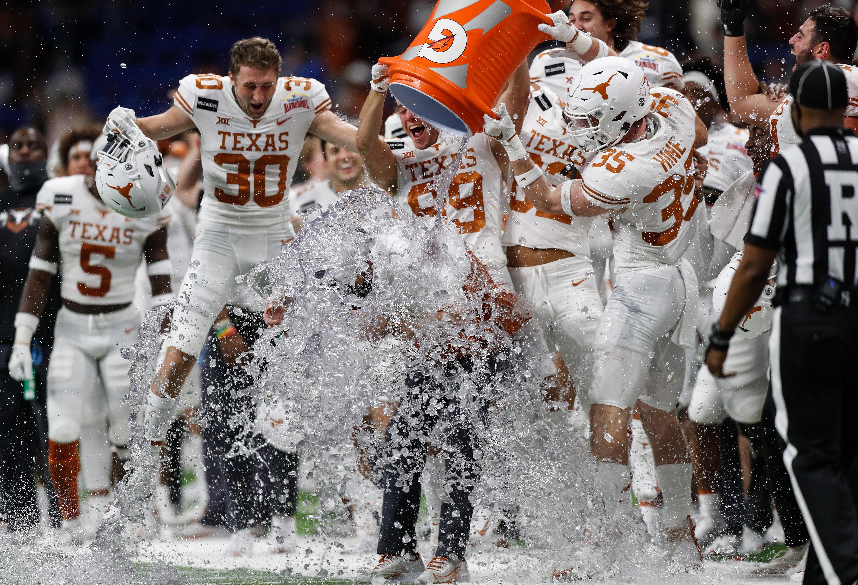 Valero Alamo Bowl - Texas v Colorado