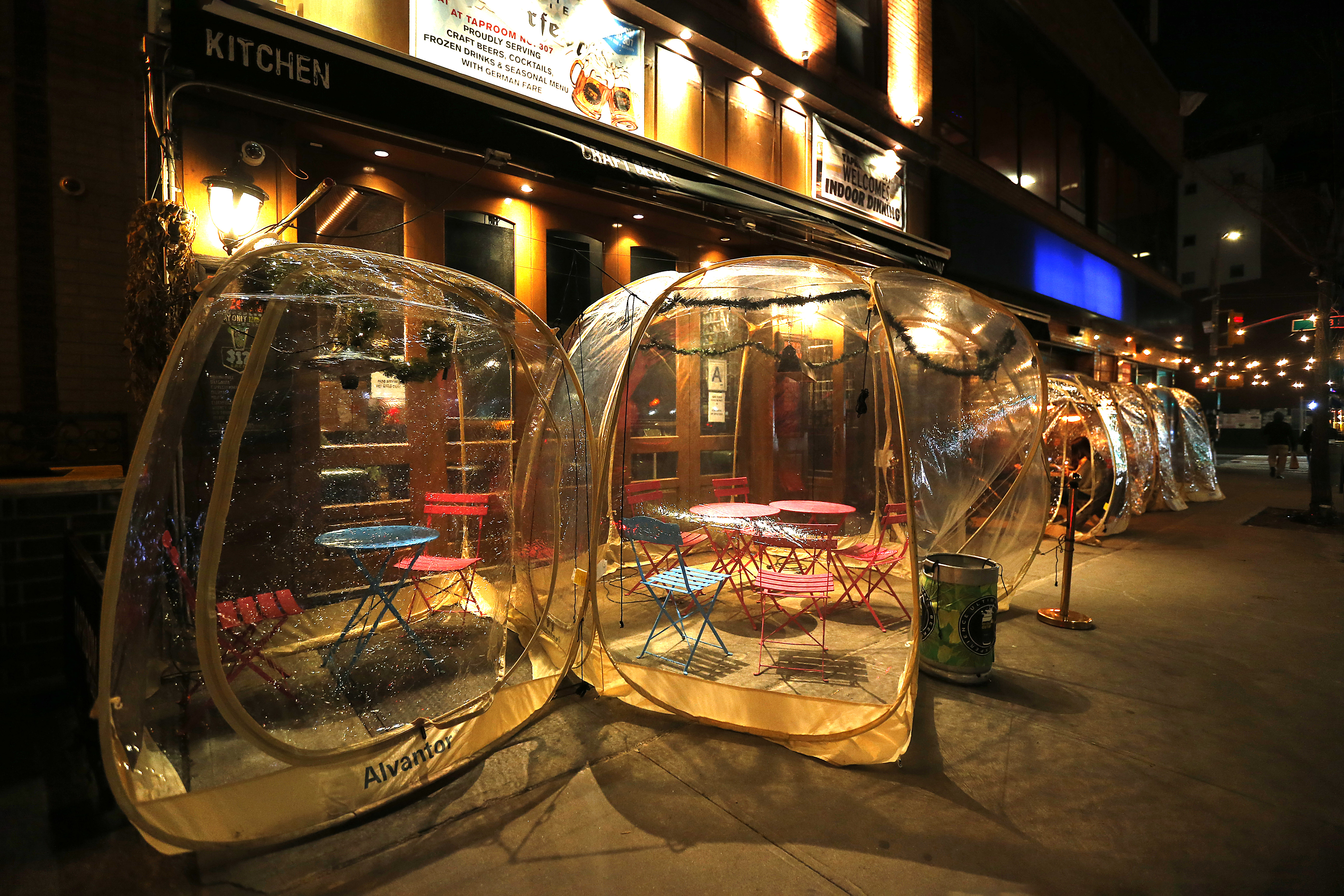 Plastic igloos stand empty outside the Tap Room on the East Side on December 26, 2020 in New York City.