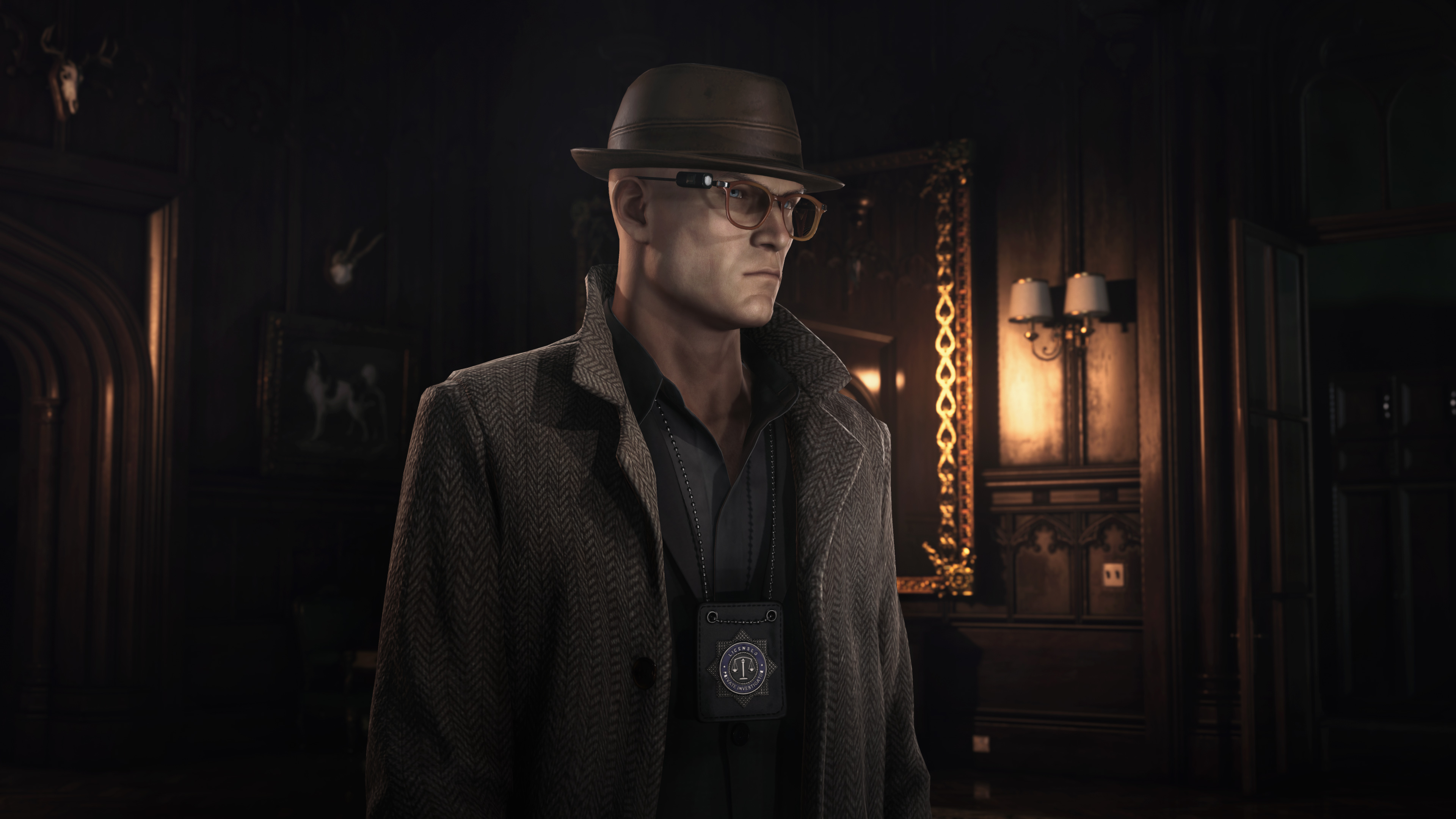 Agent 47 in disguise as a private investigator in Dartmoor in Hitman 3