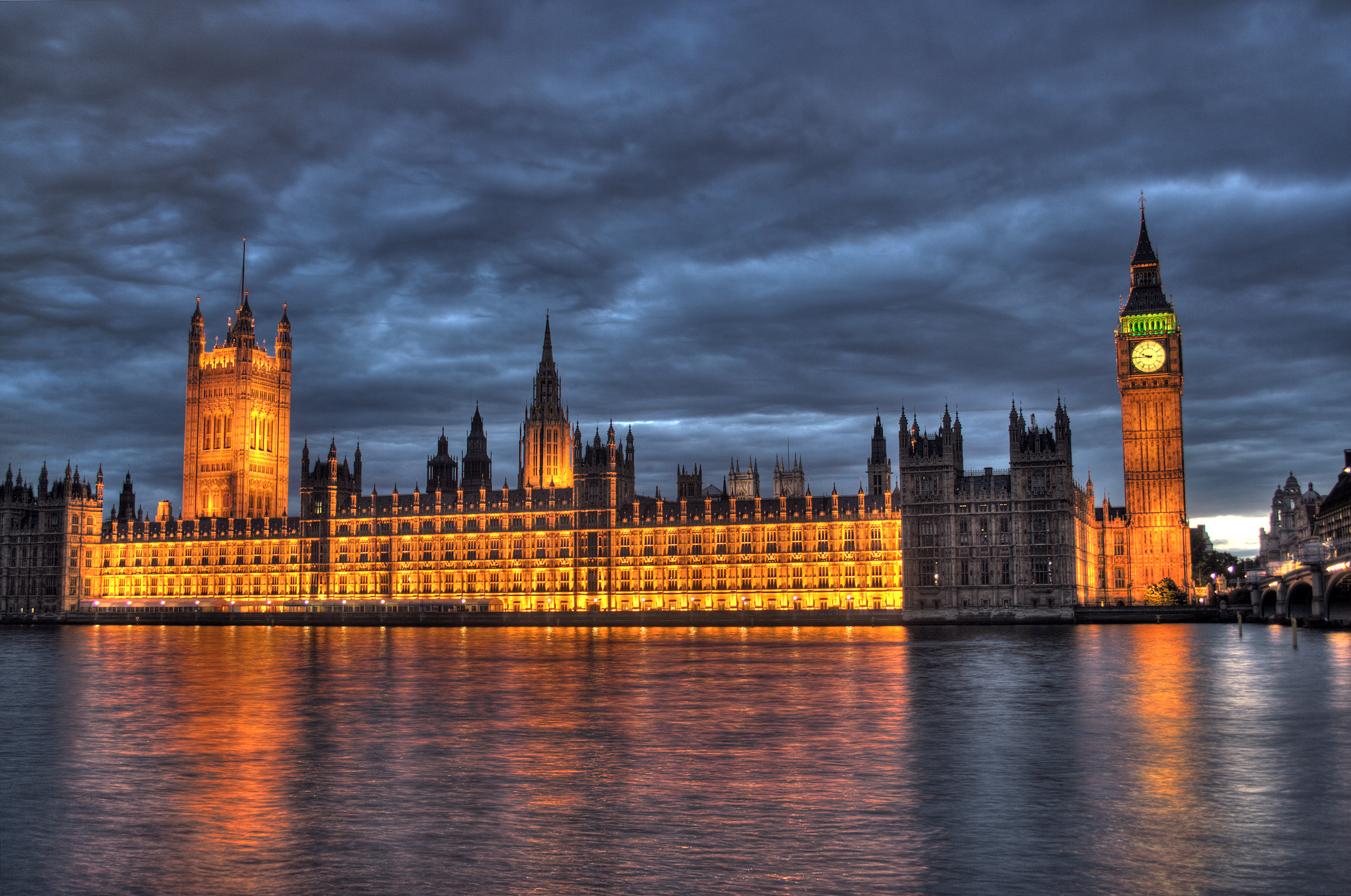A view of the Houses of Parliament and Big Ben over the Thames