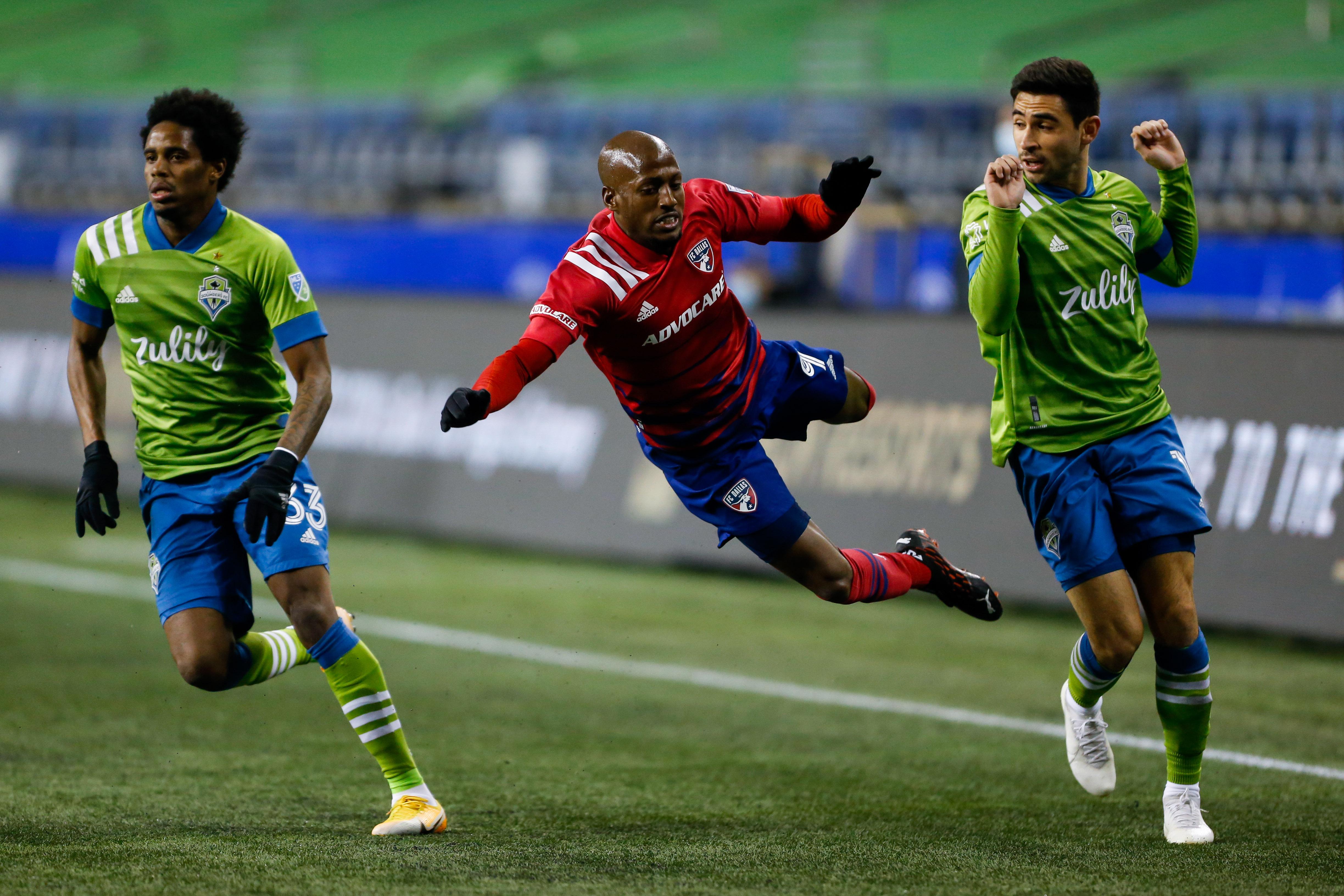 美国职业足球大联盟杯半决赛-达拉斯在西雅图声音队