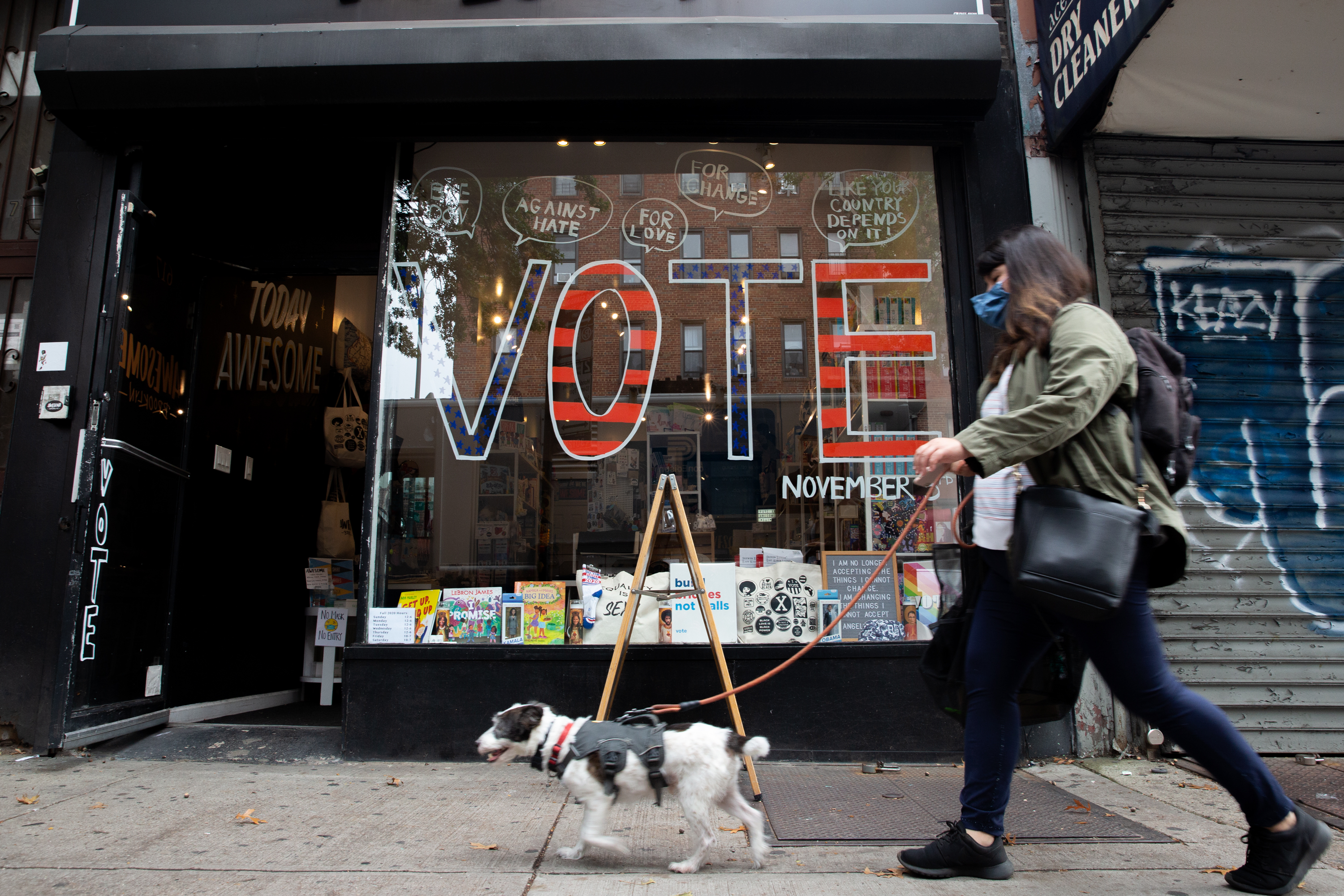 A Prospect Lefferts Gardens business encouraged people to vote ahead of the 2020 election, Oct. 21, 2020.