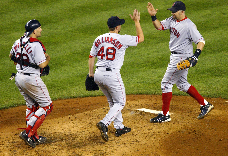 Williamson celebrates with teammates