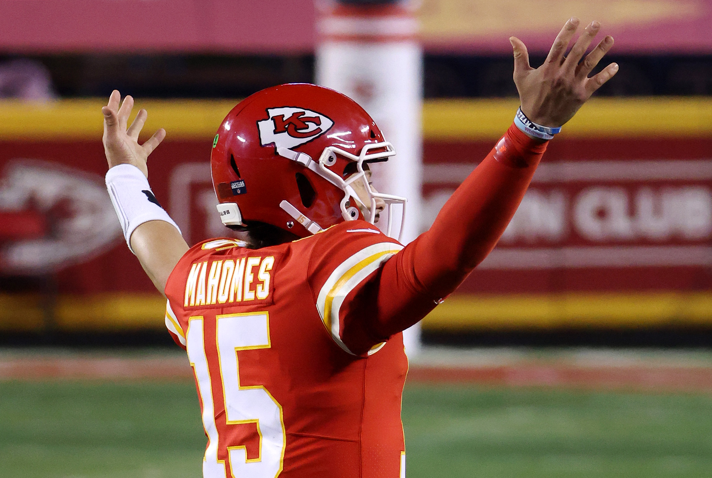 Patrick Mahomes #15 of the Kansas City Chiefs celebrates in the fourth quarter during the AFC Championship game against the Buffalo Bills at Arrowhead Stadium on January 24, 2021 in Kansas City, Missouri.