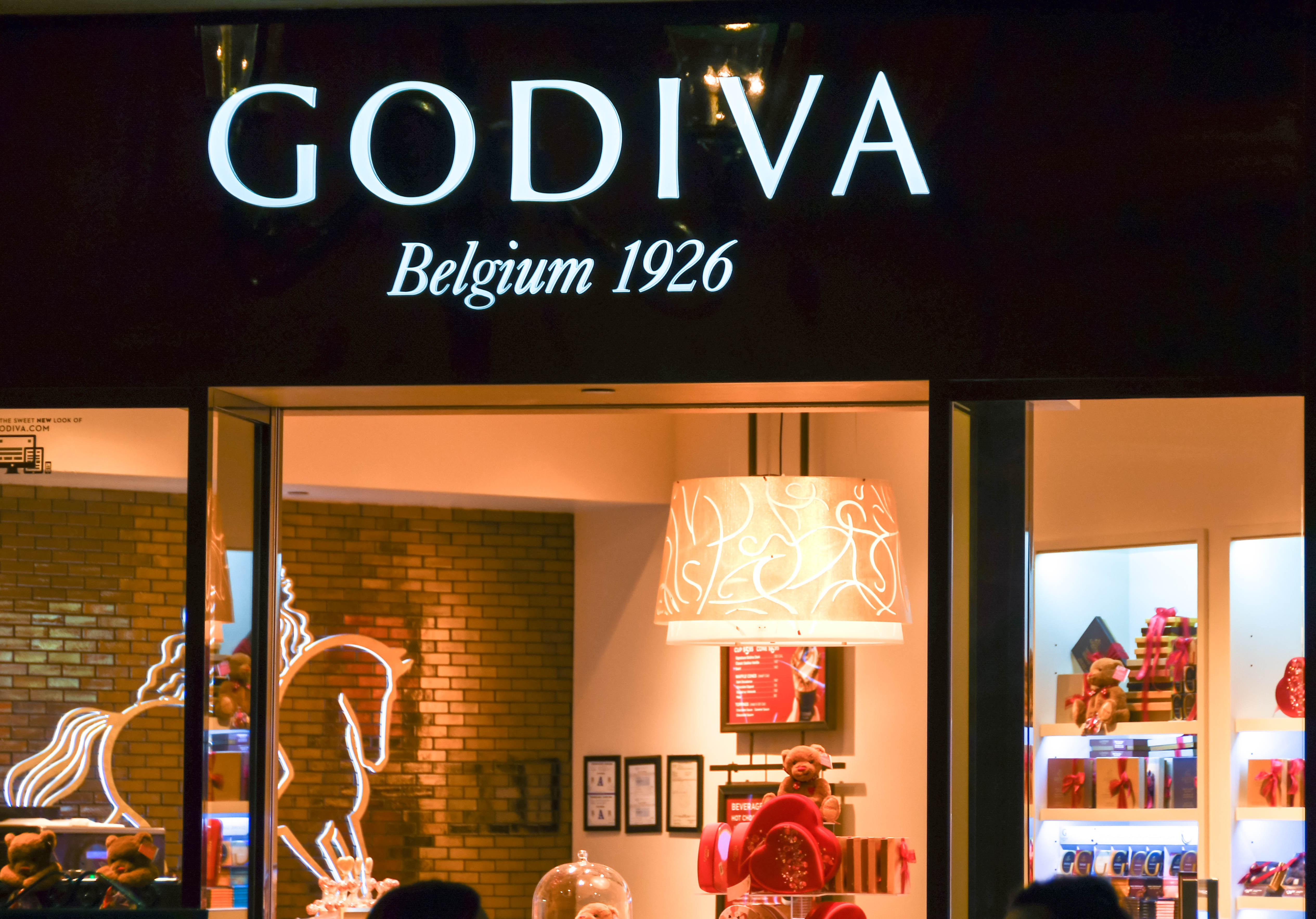 The front of a Godiva chocolate store
