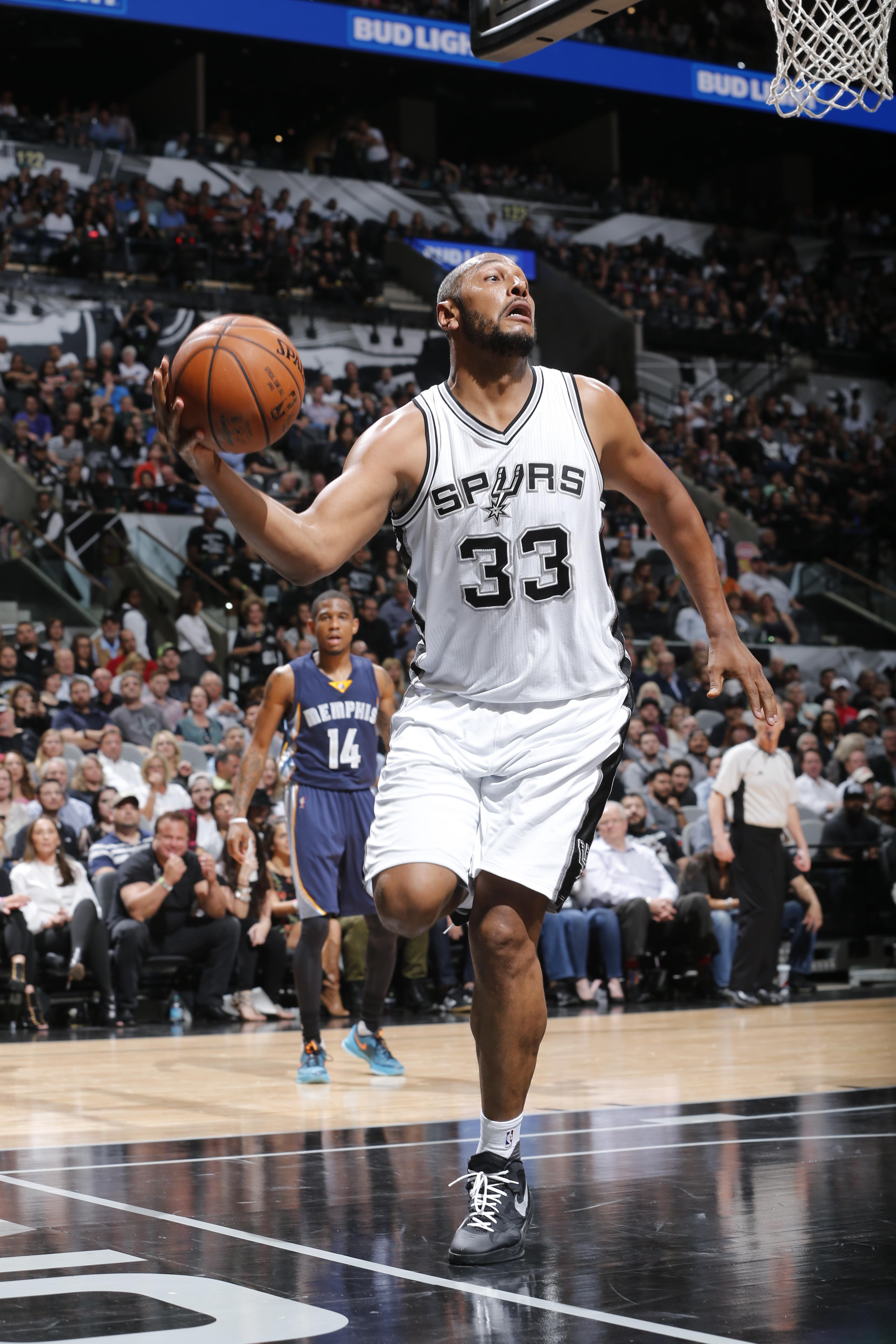 Memphis Grizzlies v San Antonio Spurs - Game Two