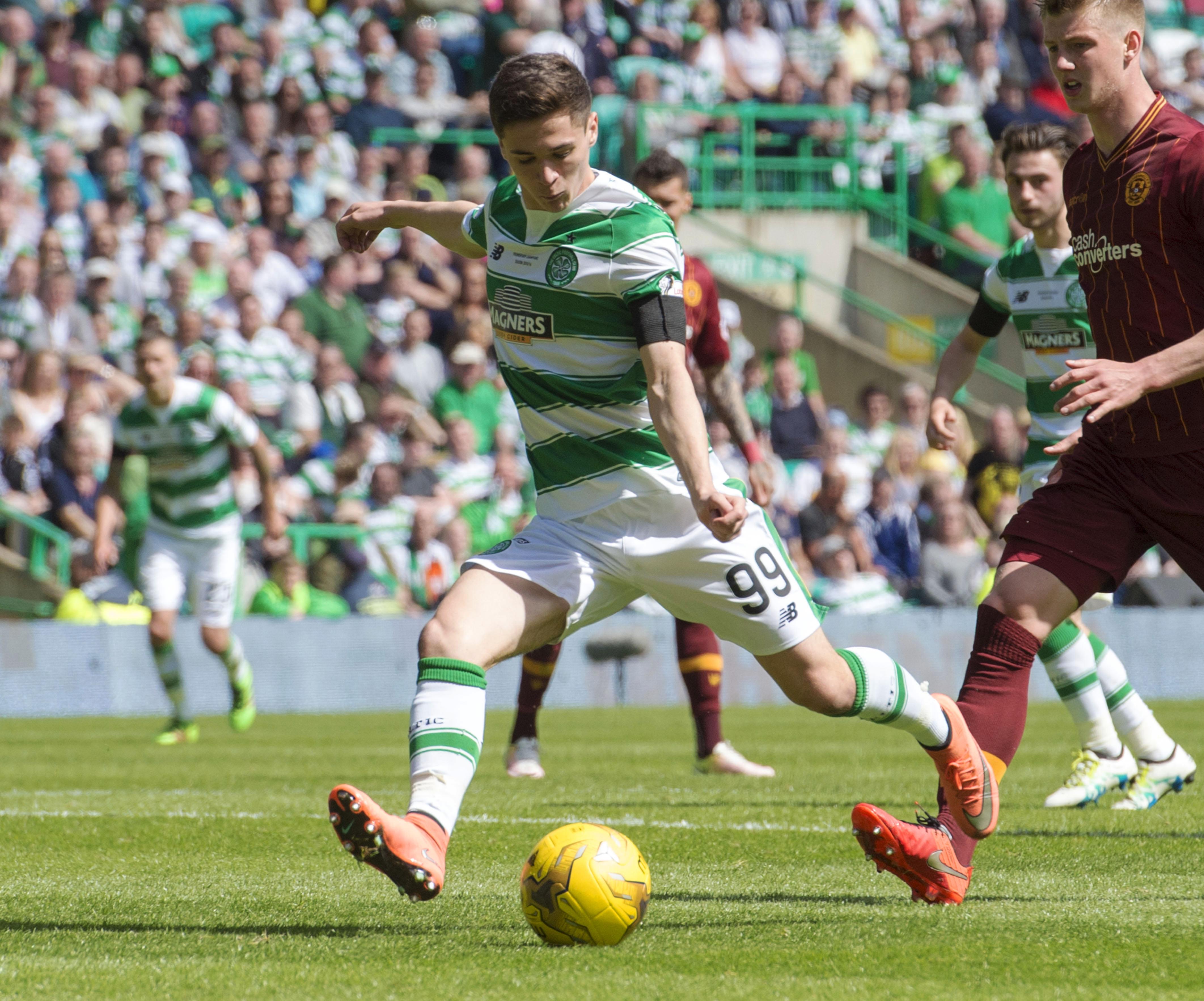 14/05/16 LADBROKES PREMIERSHIP .CELTIC v MOTHERWELL.CELTIC PARK - GLASGOW.Jack Aitchison in action for Celtic