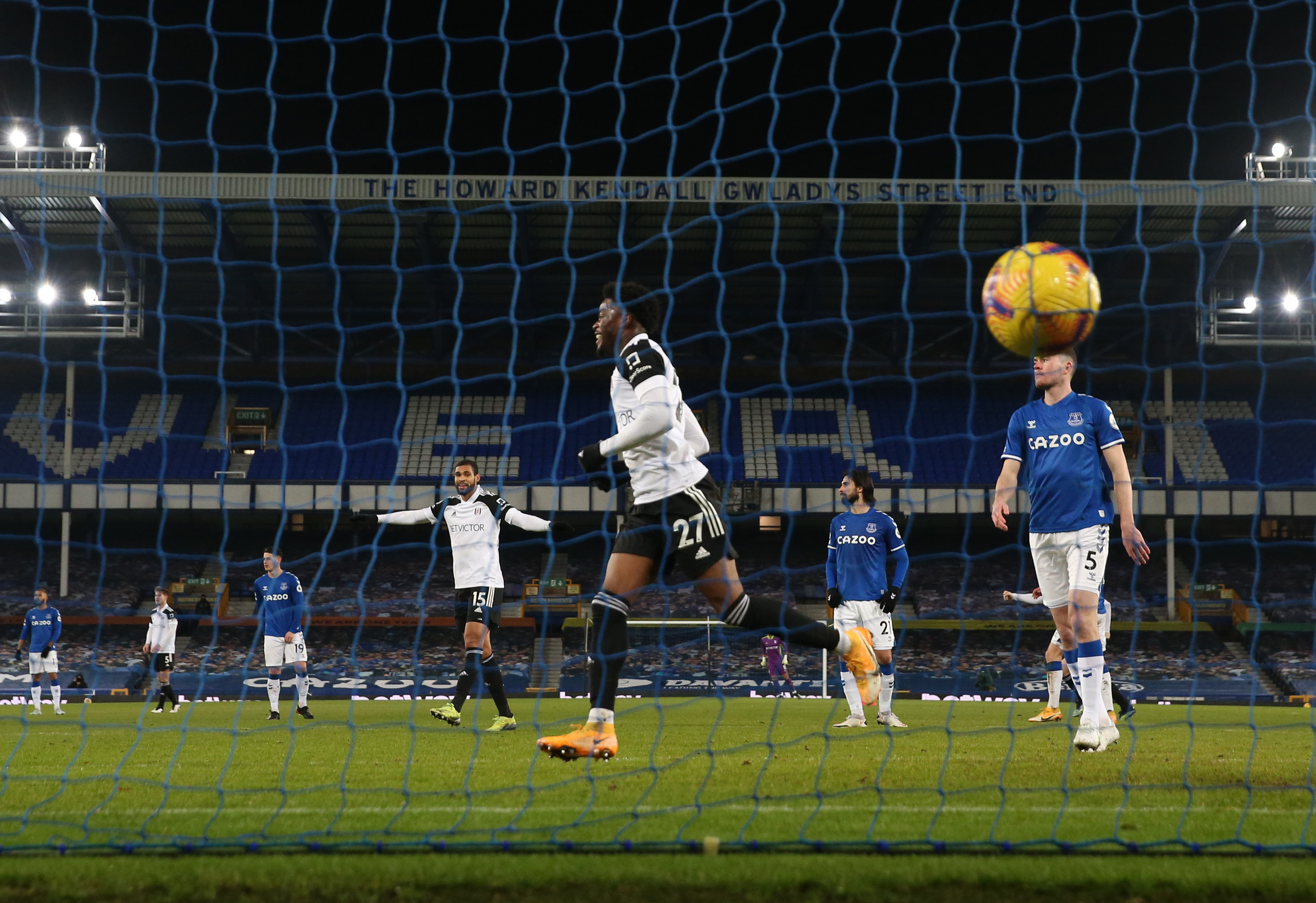 Everton v Fulham - Premier League