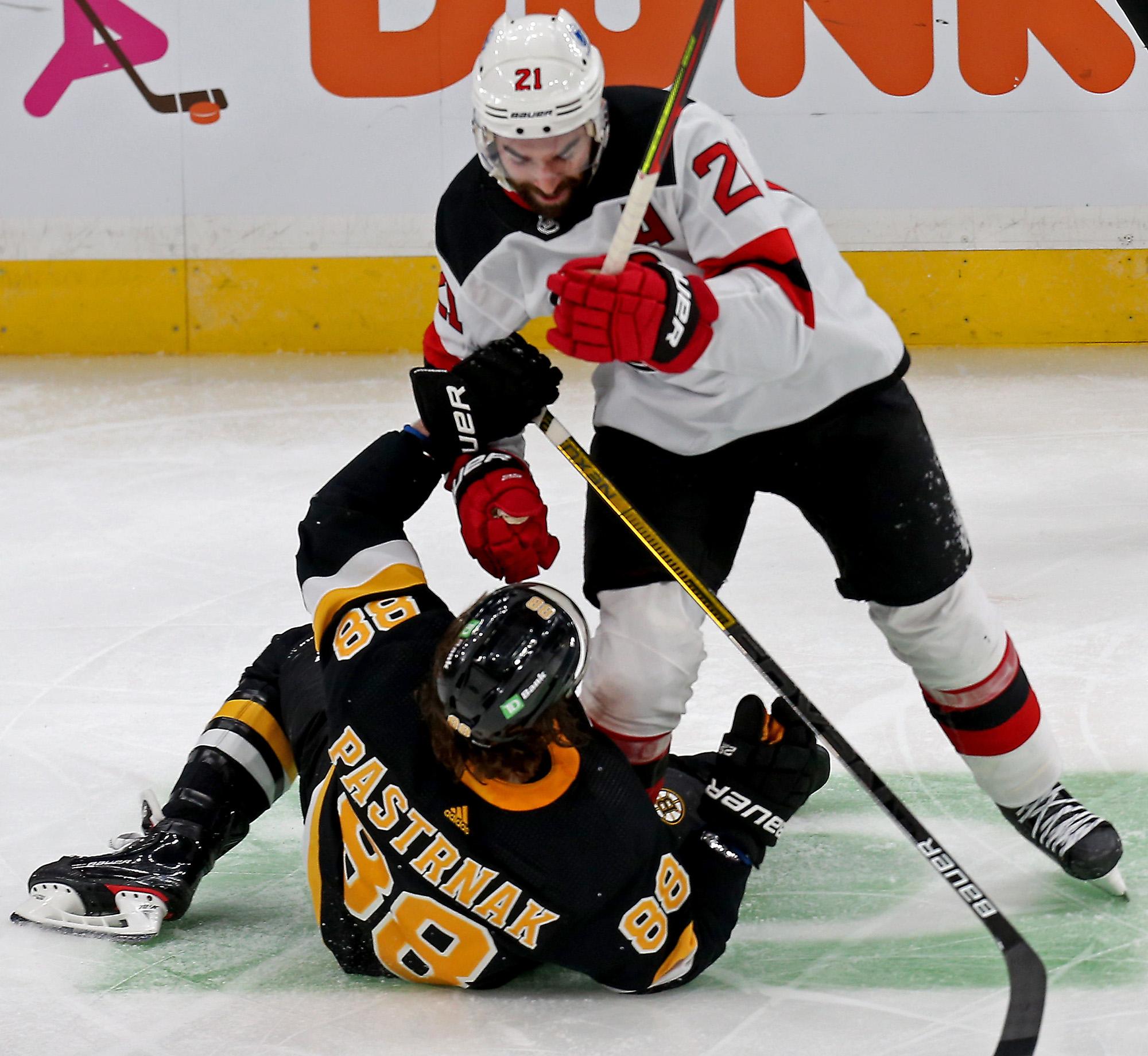 Boston Bruins vs New Jersey Devils