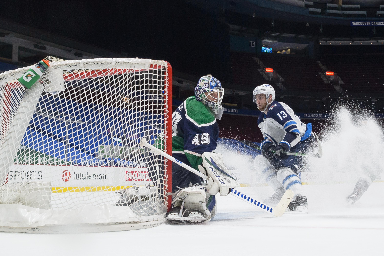NHL: FEB 21 Jets at Canucks