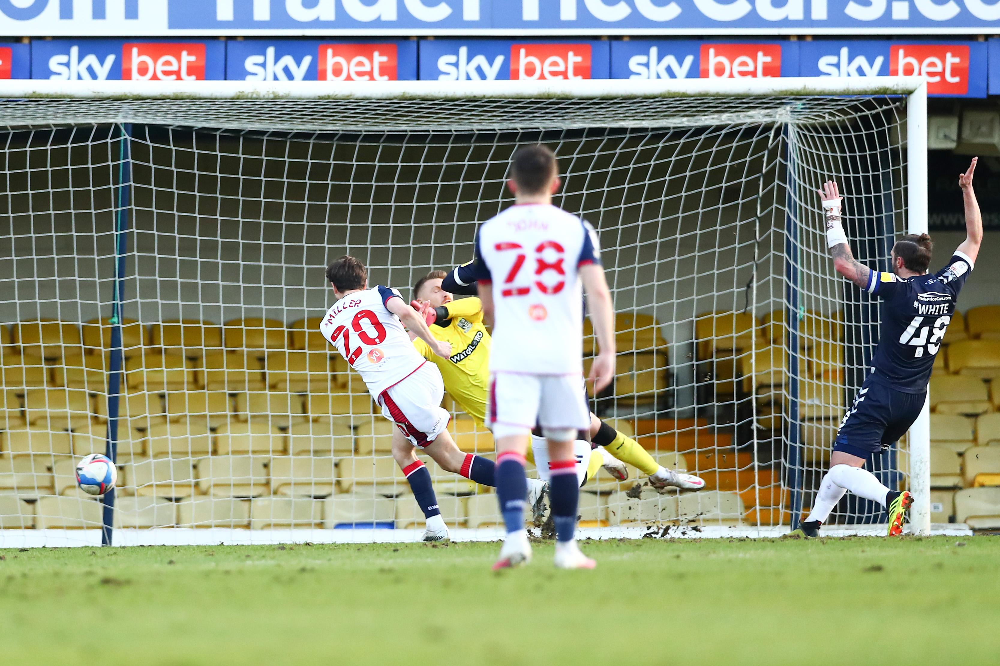 Southend United v Bolton Wanderers - Sky Bet League Two