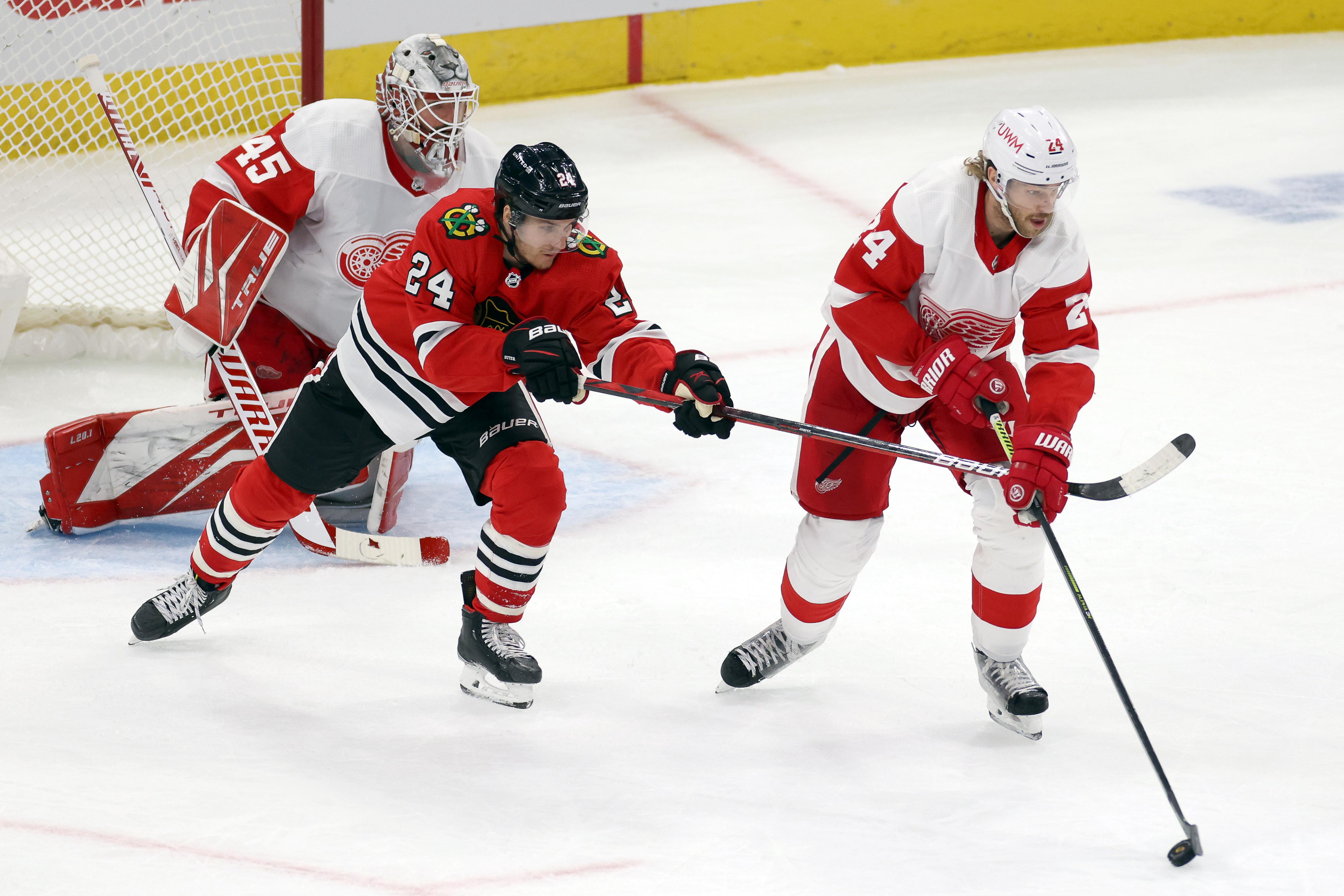 NHL: FEB 27 Red Wings at Blackhawks
