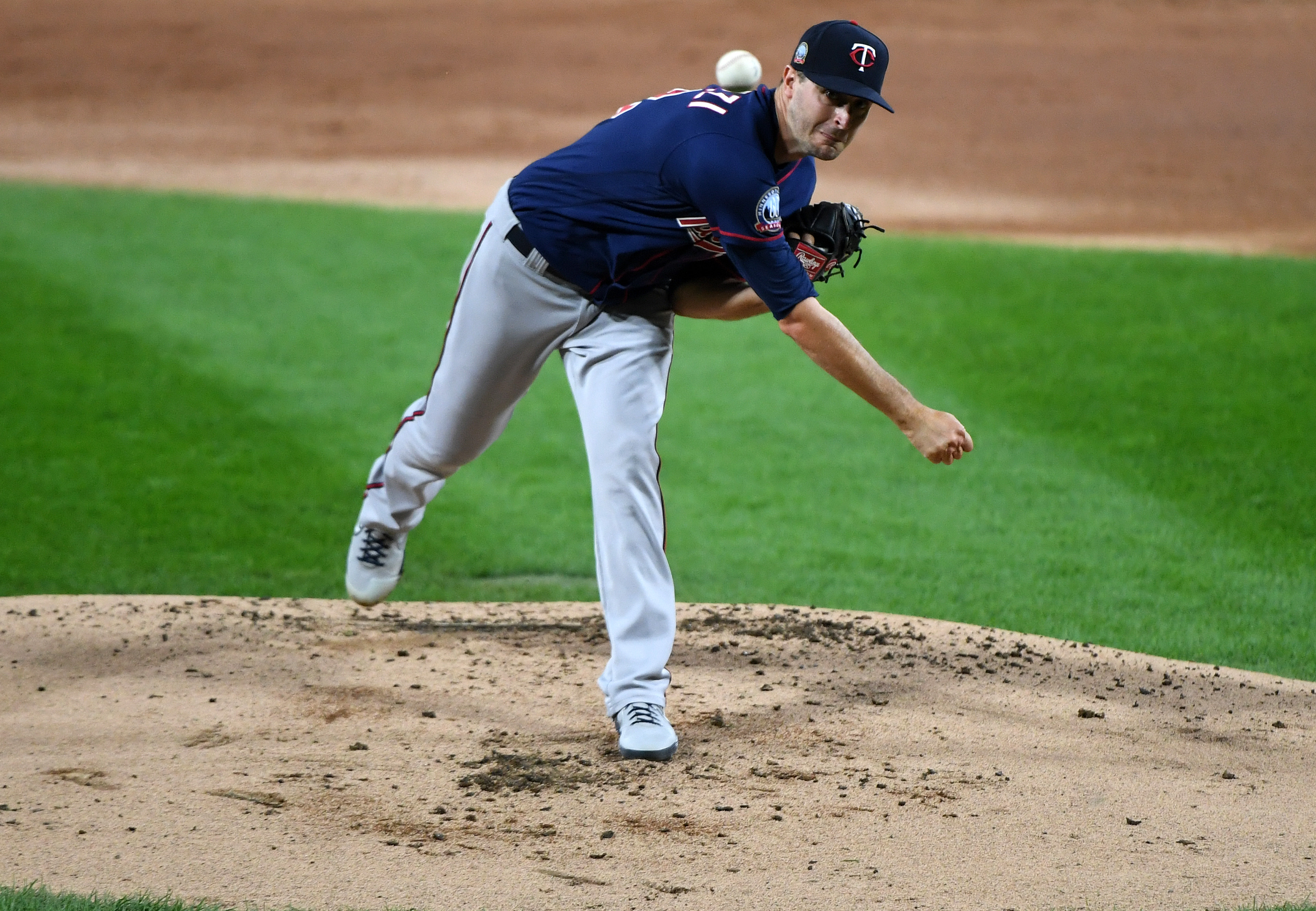 Minnesota Twins starting pitcher Jake Odorizzi (12) throws a pitch against the Chicago White Sox during the first inning at Guaranteed Rate Field.