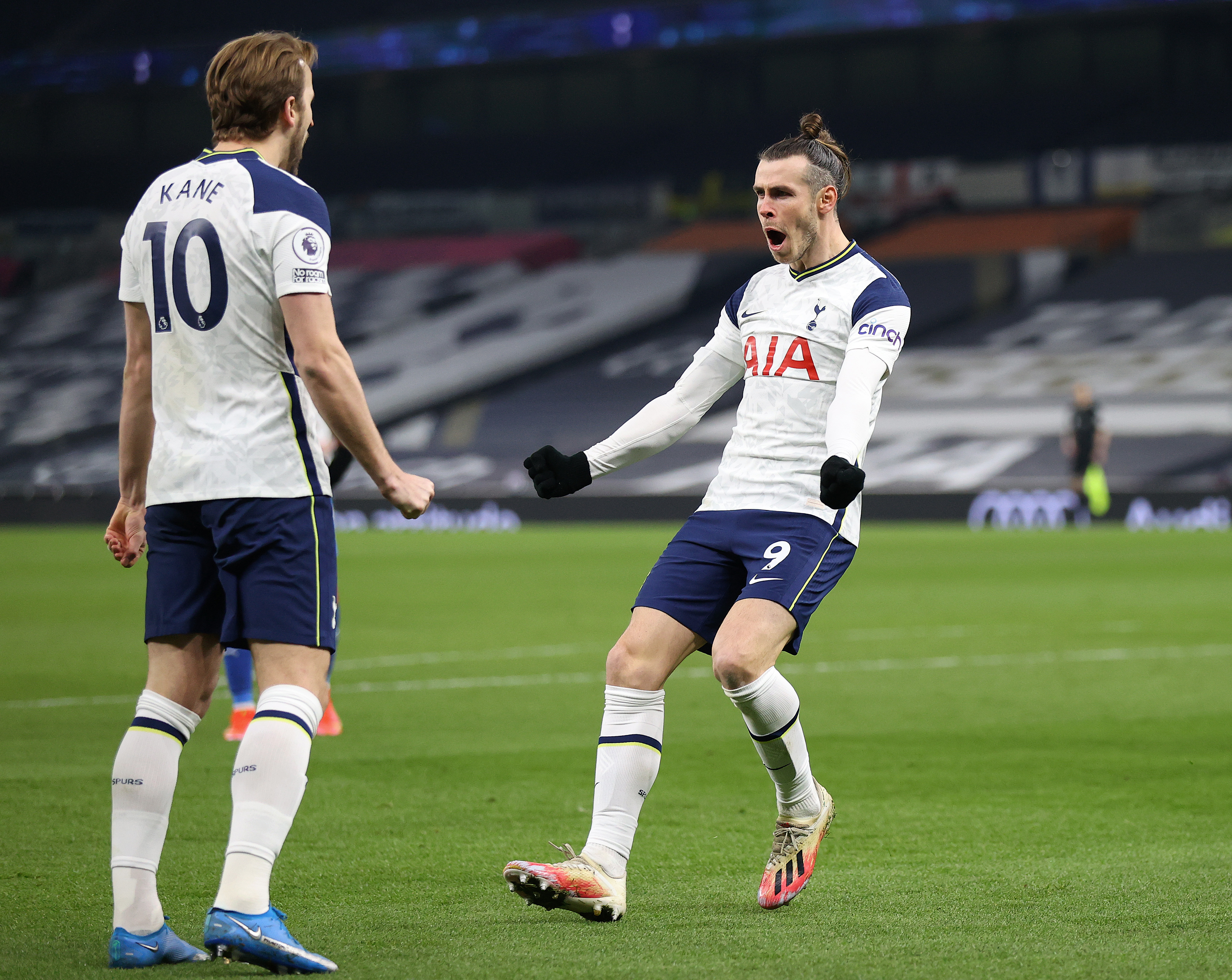 Gareth Bale celebrates with Hary Kane after scoring his second goal against Crystal Palace - Tottenham Hotspur - Premier League