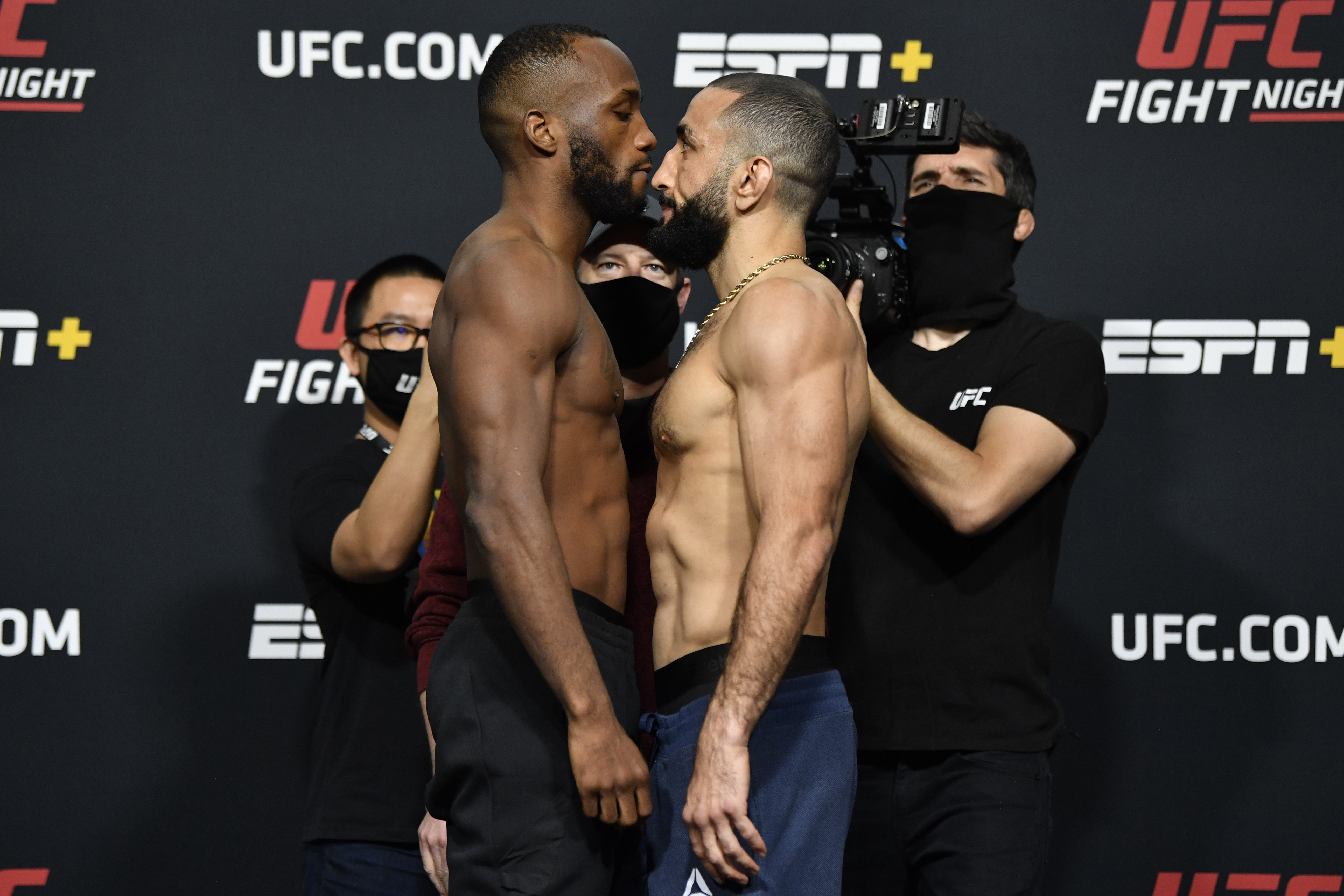 里昂·爱德华兹和贝拉尔·穆罕默德在维加斯UFC 21爱游戏app下载的游戏不能玩