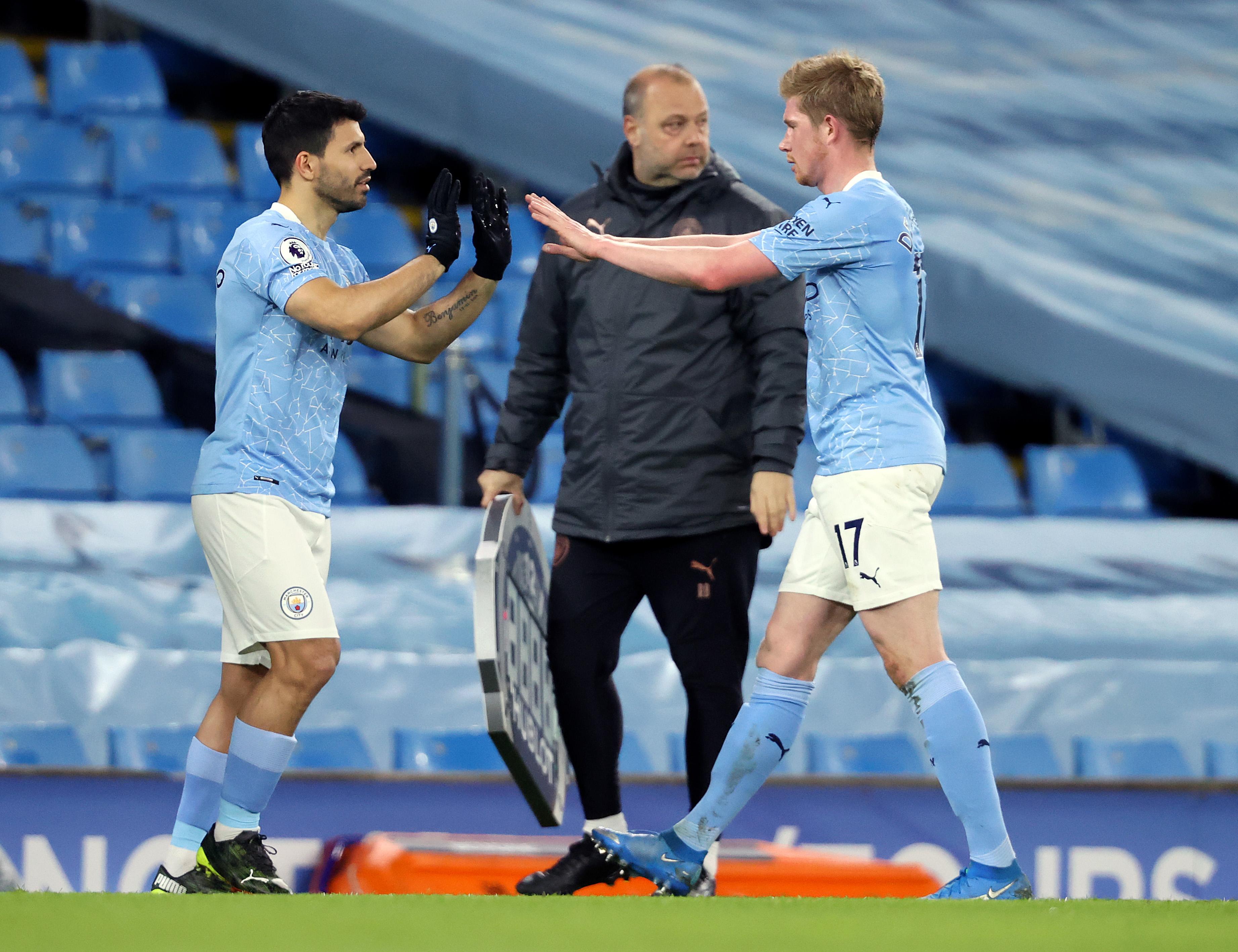 Sergio Aguero replaces Kevin De Bruyne - Manchester City - Premier League