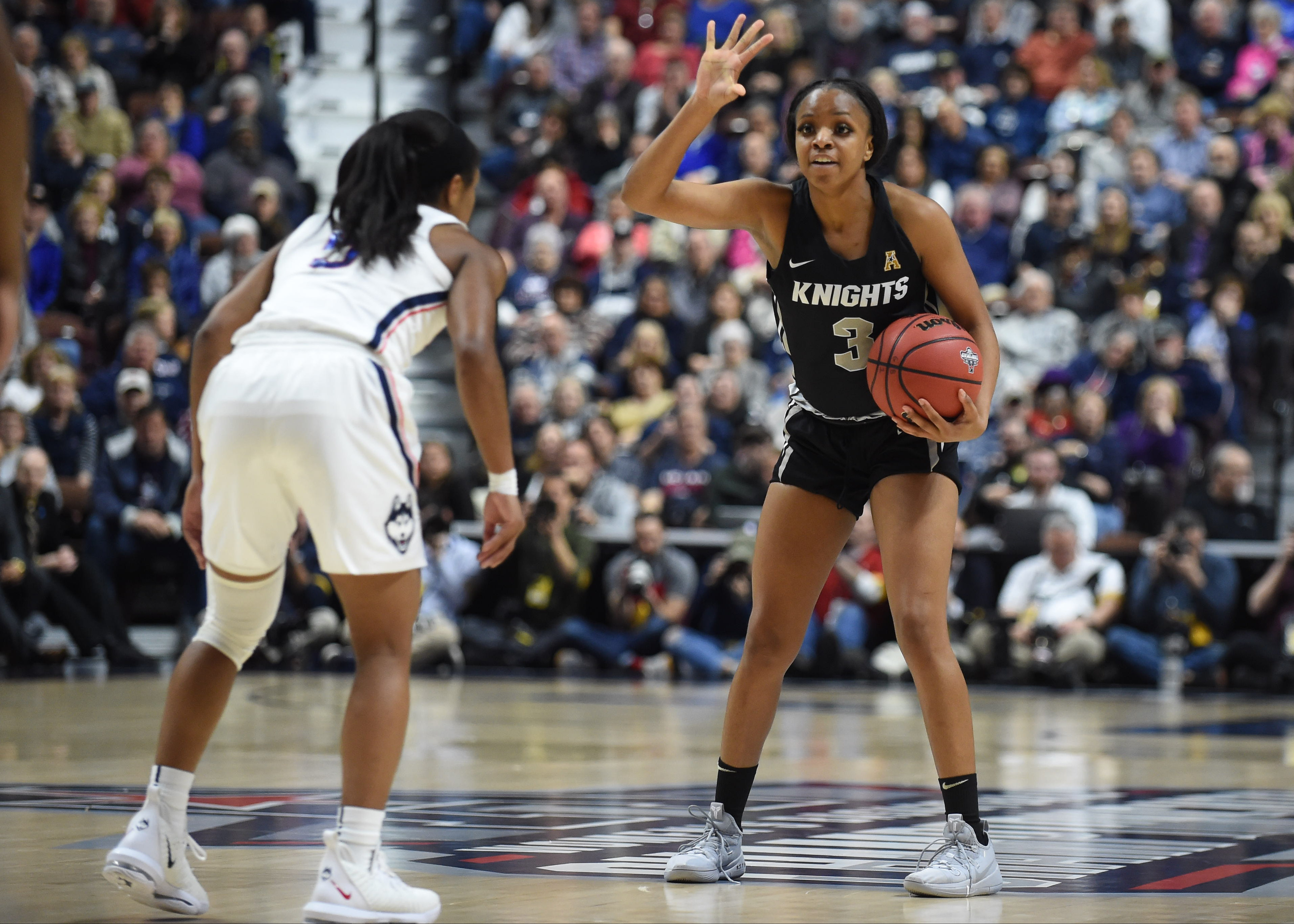 COLLEGE BASKETBALL: MAR 11 American Athletic Conference Women's Championship - UCF v UConn