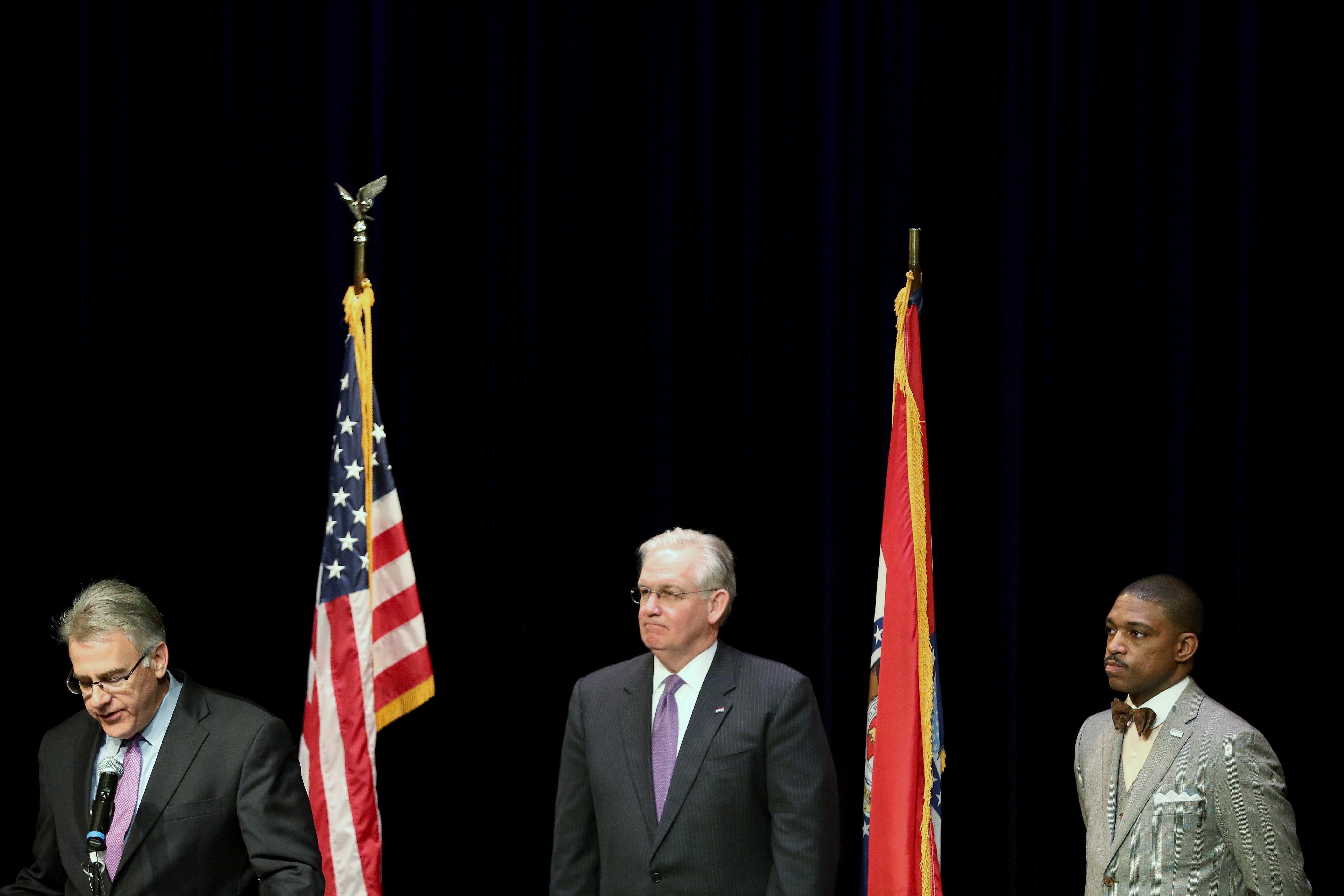 密苏里州州长尼克松宣布独立弗格森委员会成员名单