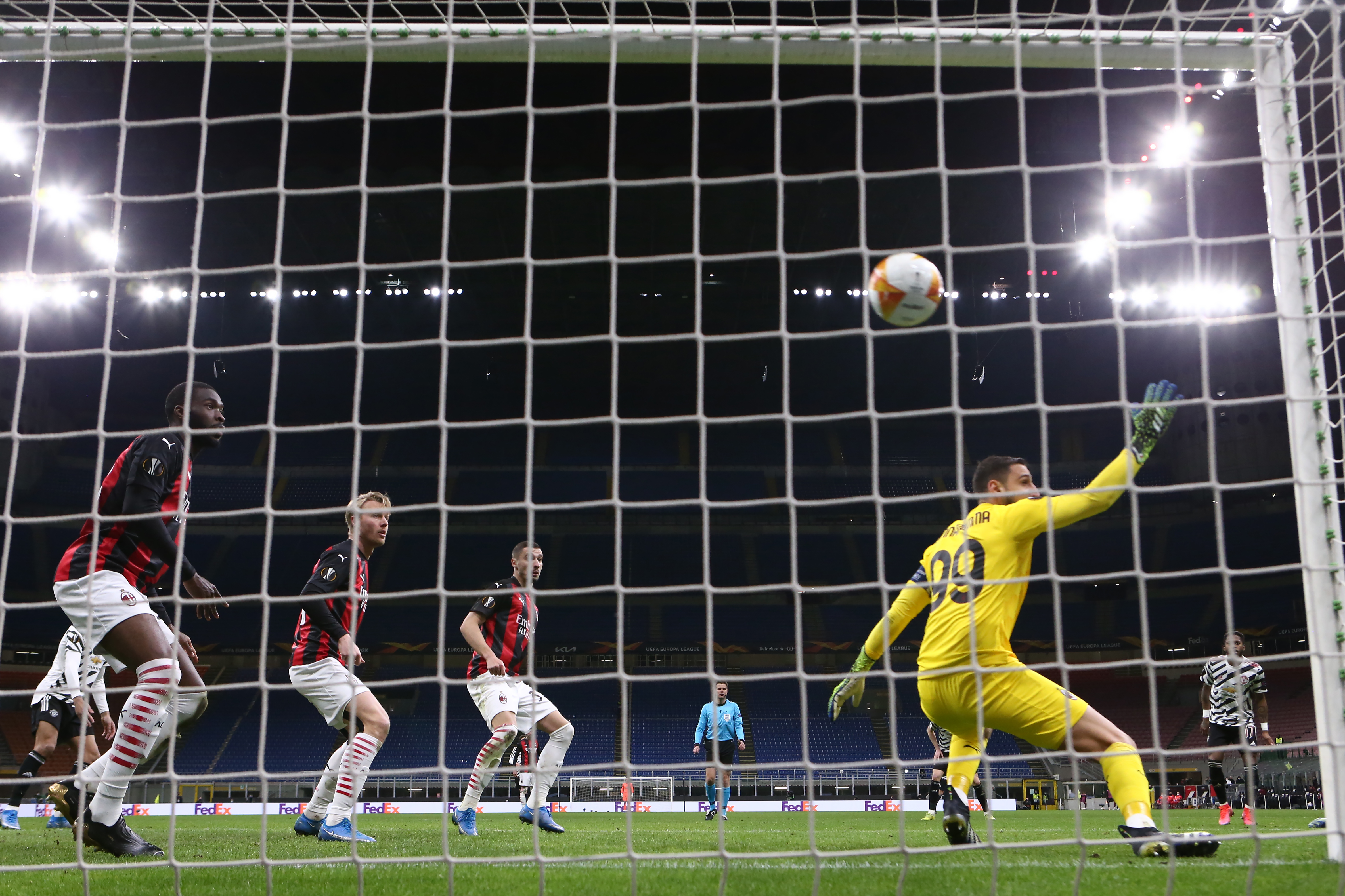 AC Milan v Manchester United - UEFA Europa League Round Of 16 Leg Two