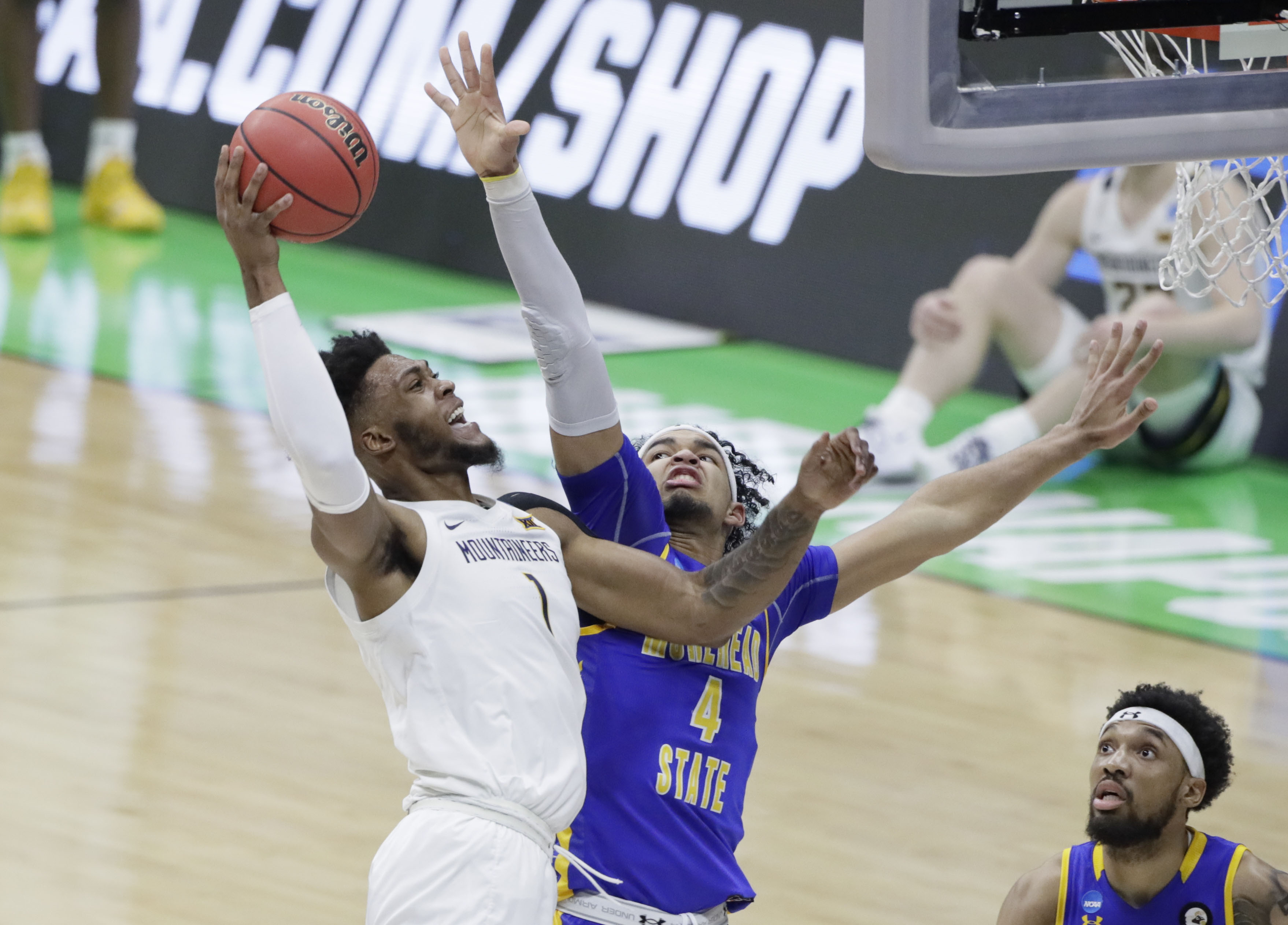 NCAA Basketball: Morehead State at West Virginia