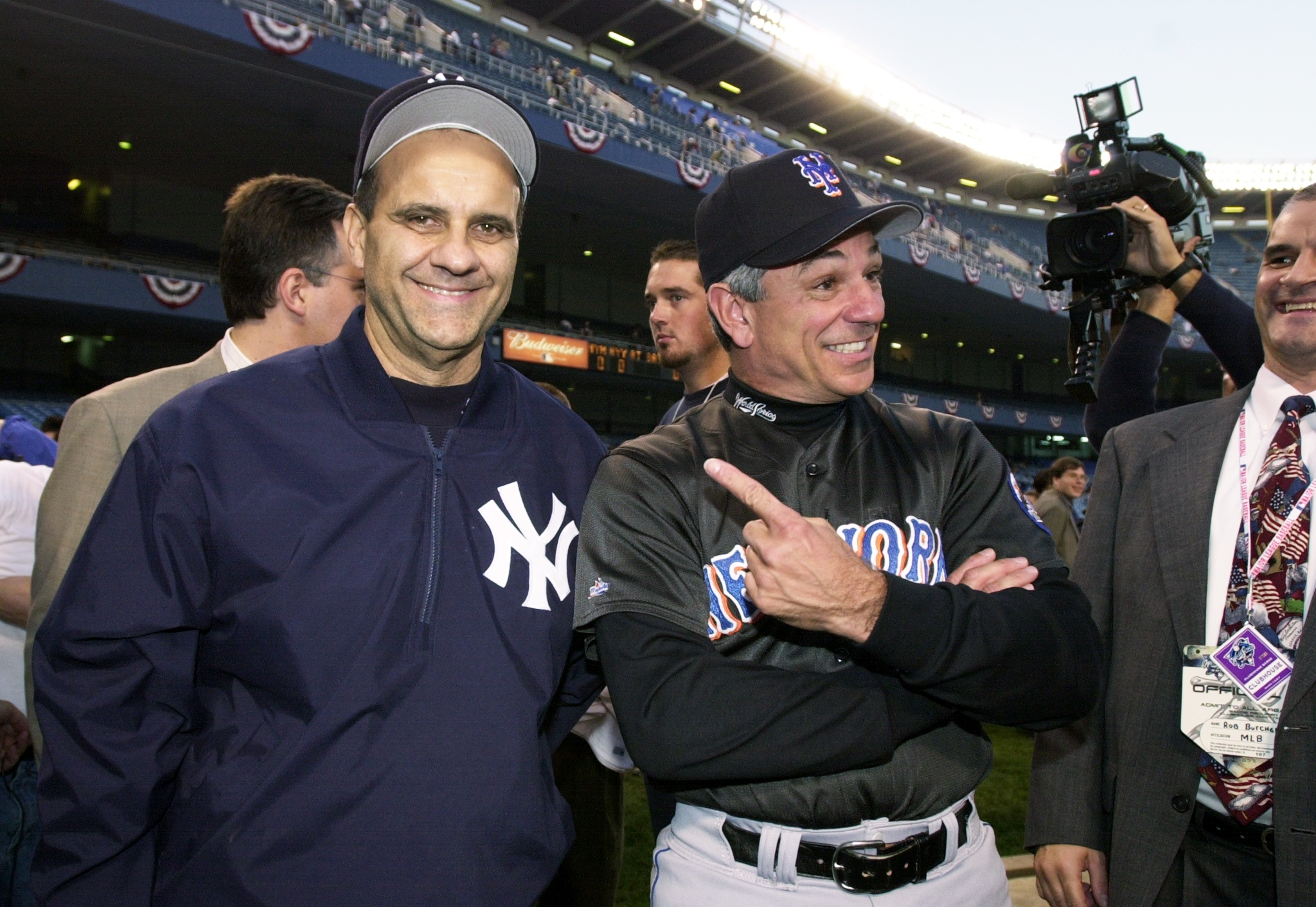 New York Yankees' manager Joe Torre jokes with New York Mets