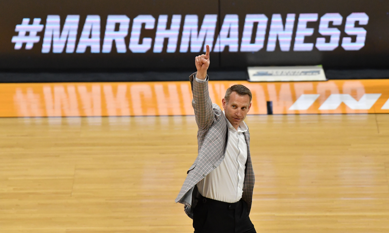 NCAA Basketball: NCAA Tournament-Iona at Alabama