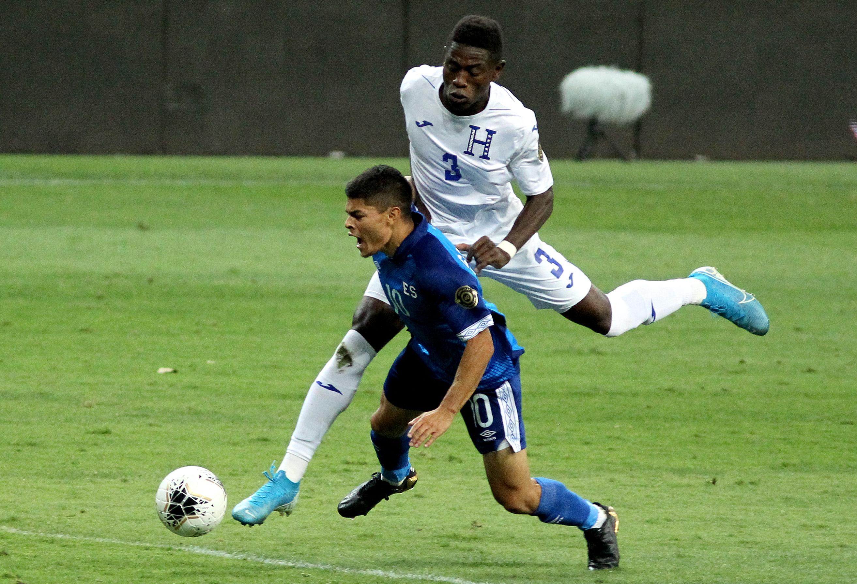 FBL-CONCACAF-OLYMPIC-SLV-HON