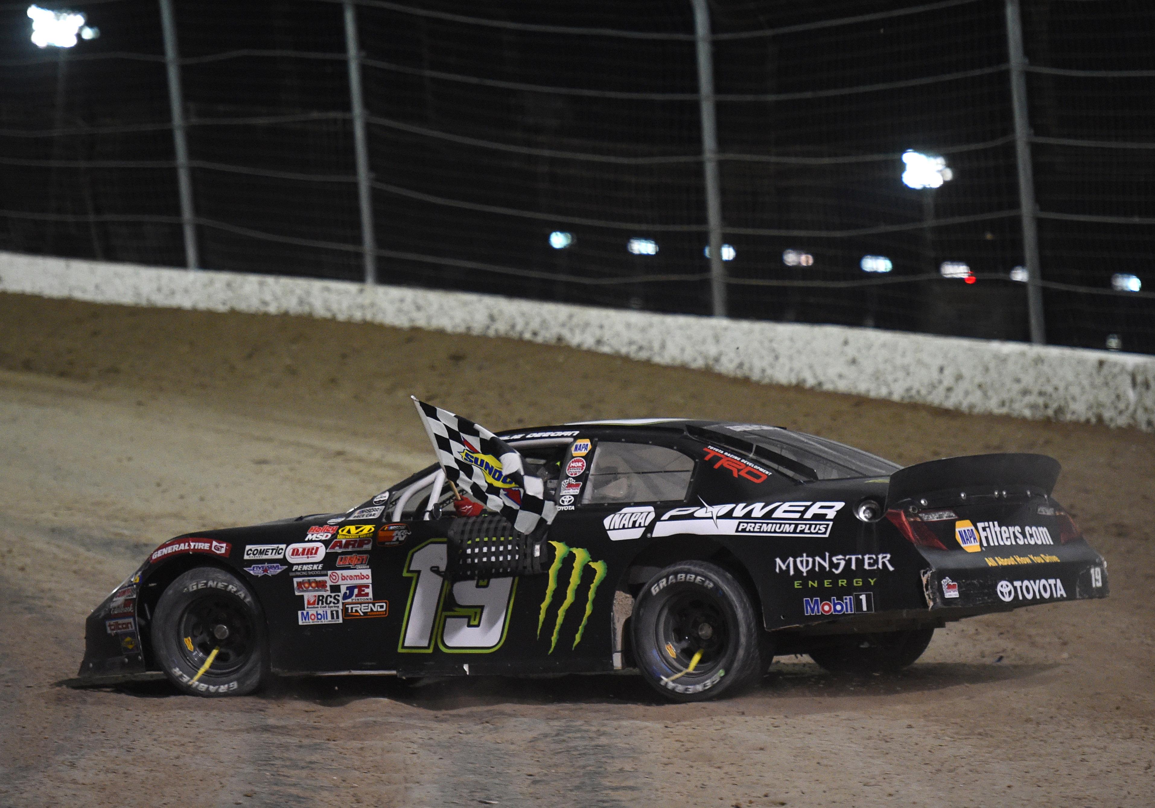 AUTO: FEB 28 NASCAR K&N Pro Series West - Star Nursery 100