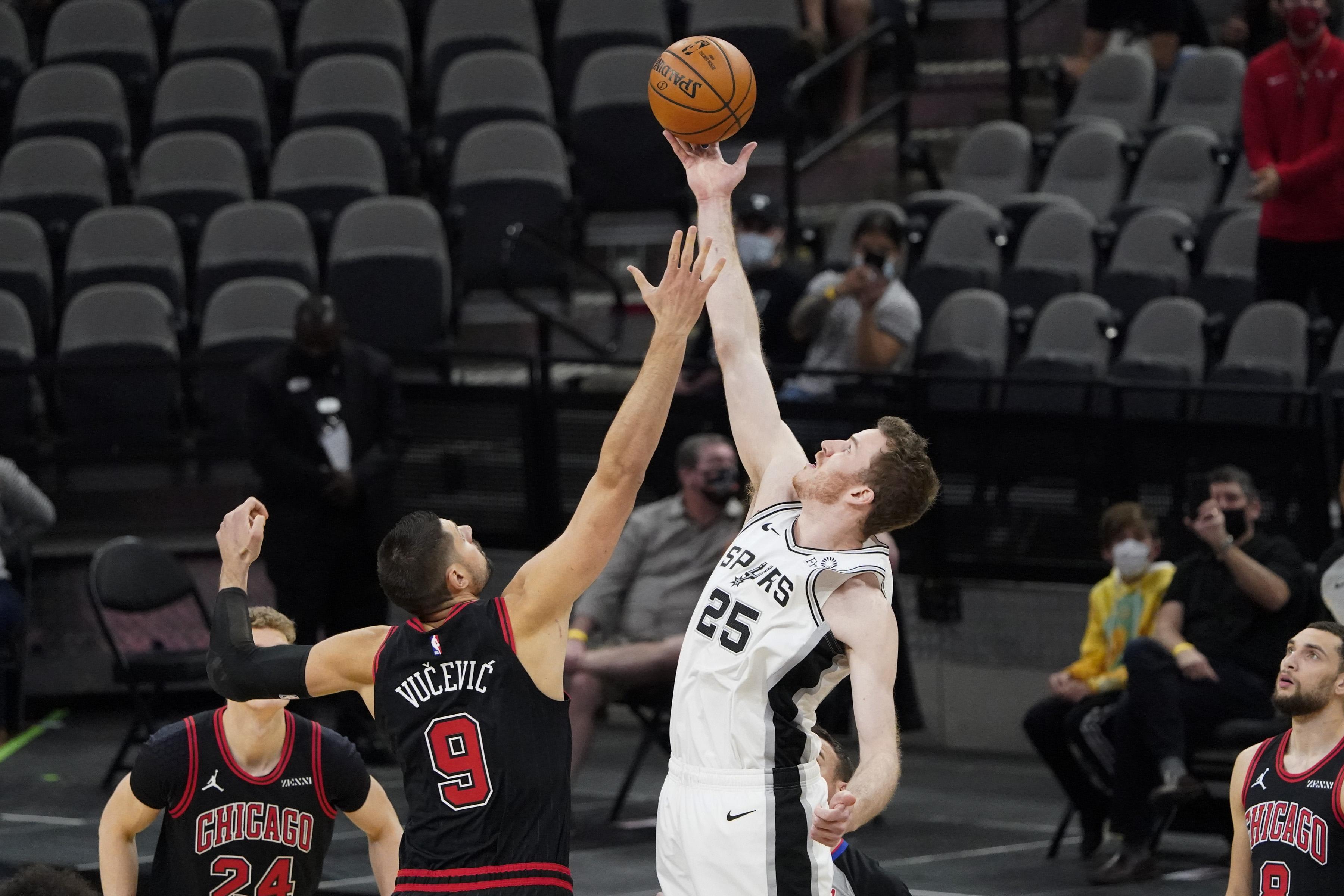 NBA: Chicago Bulls at San Antonio Spurs