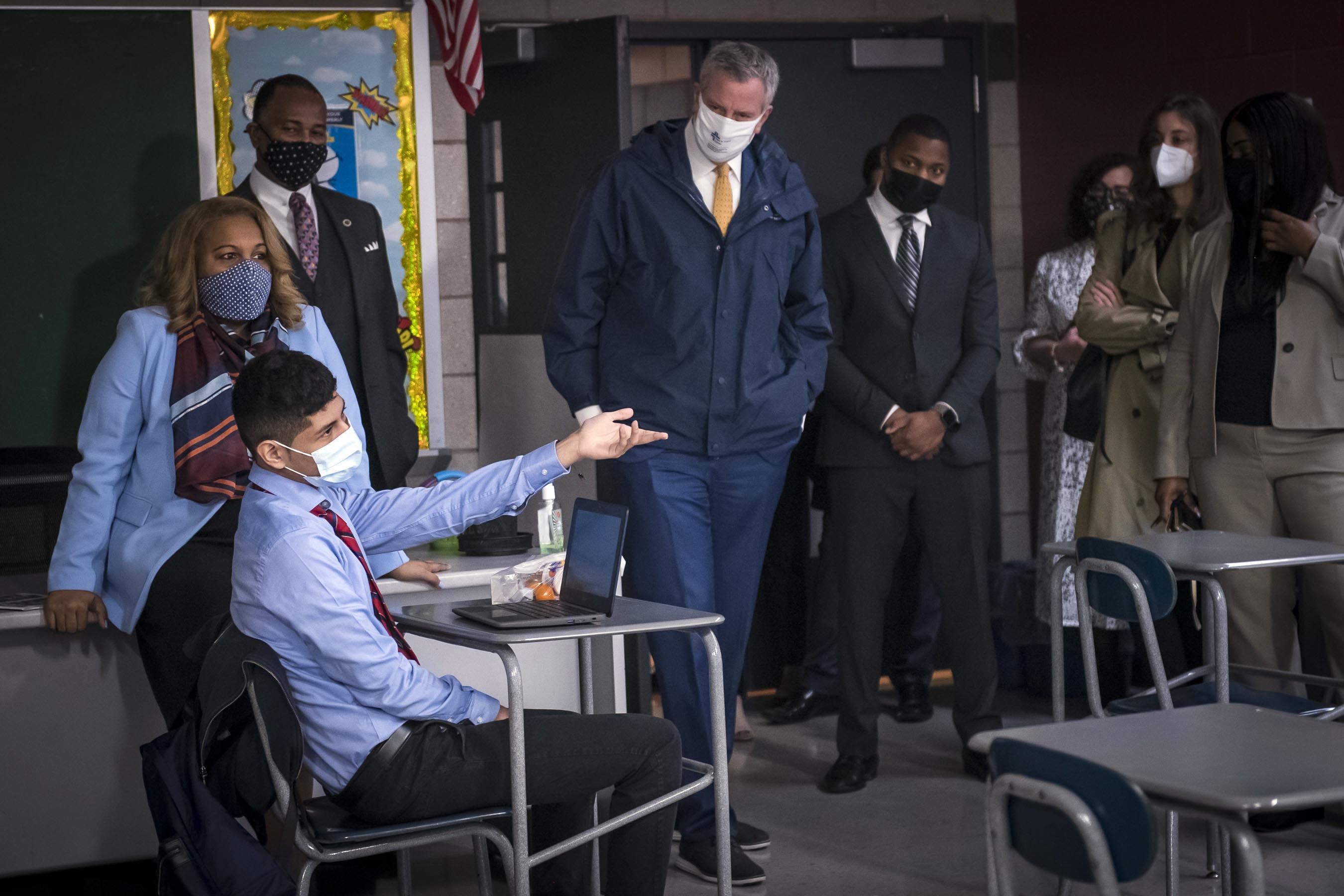 Mayor Bill de Blasio and Chancellor Meisha Porter join school leadership at the Bronx School for Law, Government and Justice in the Bronx, to greet high school students and celebrate reopening. Monday, March 22, 2021. Credit: Ed Reed/Mayoral Photography Office.
