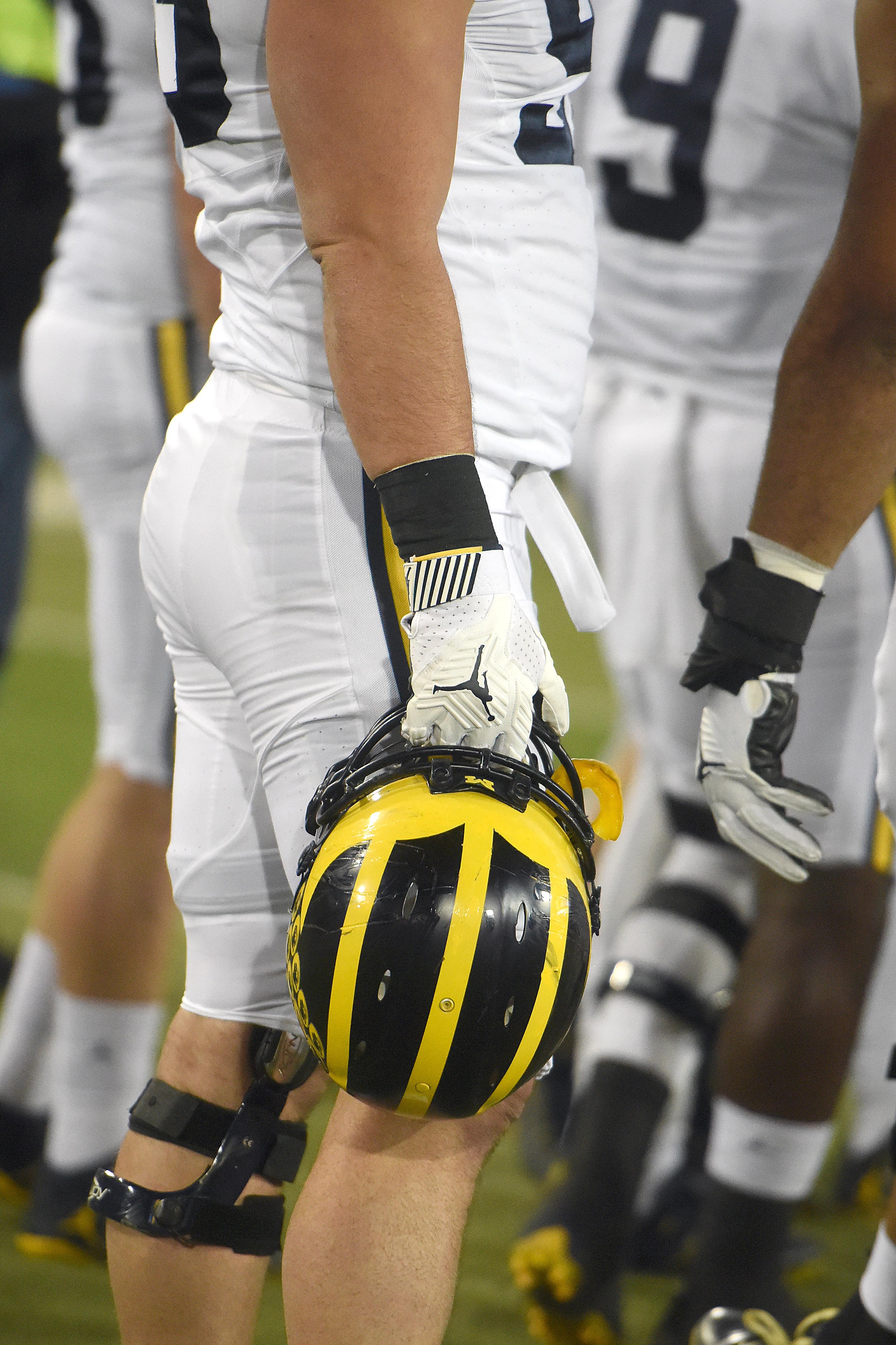 NCAA FOOTBALL: NOV 12 Michigan at Iowa