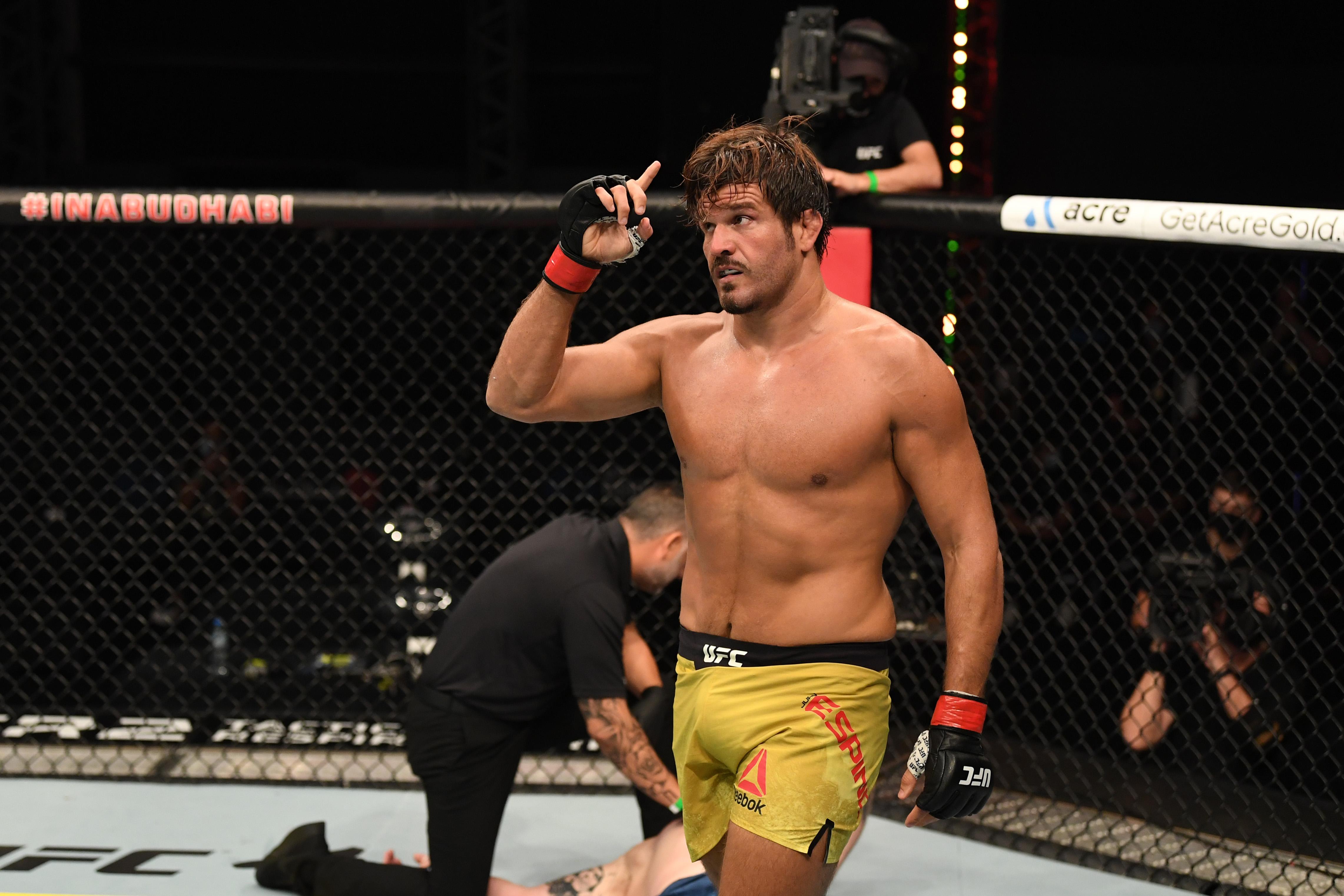 UFC 253埃斯皮诺诉休斯案