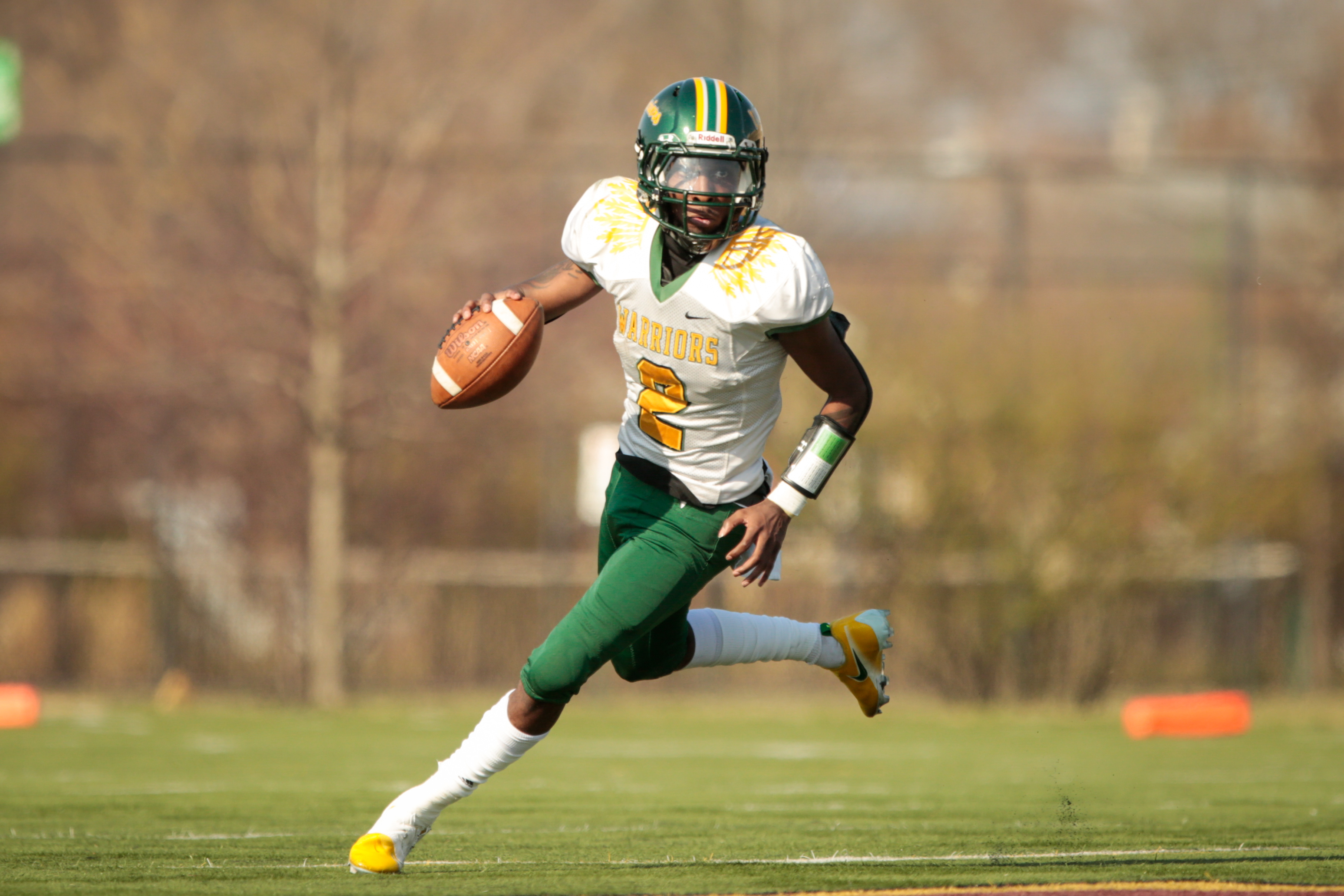 Westinghouse's Kejuan Pitts (2) rolls out to move the ball against Phillips.