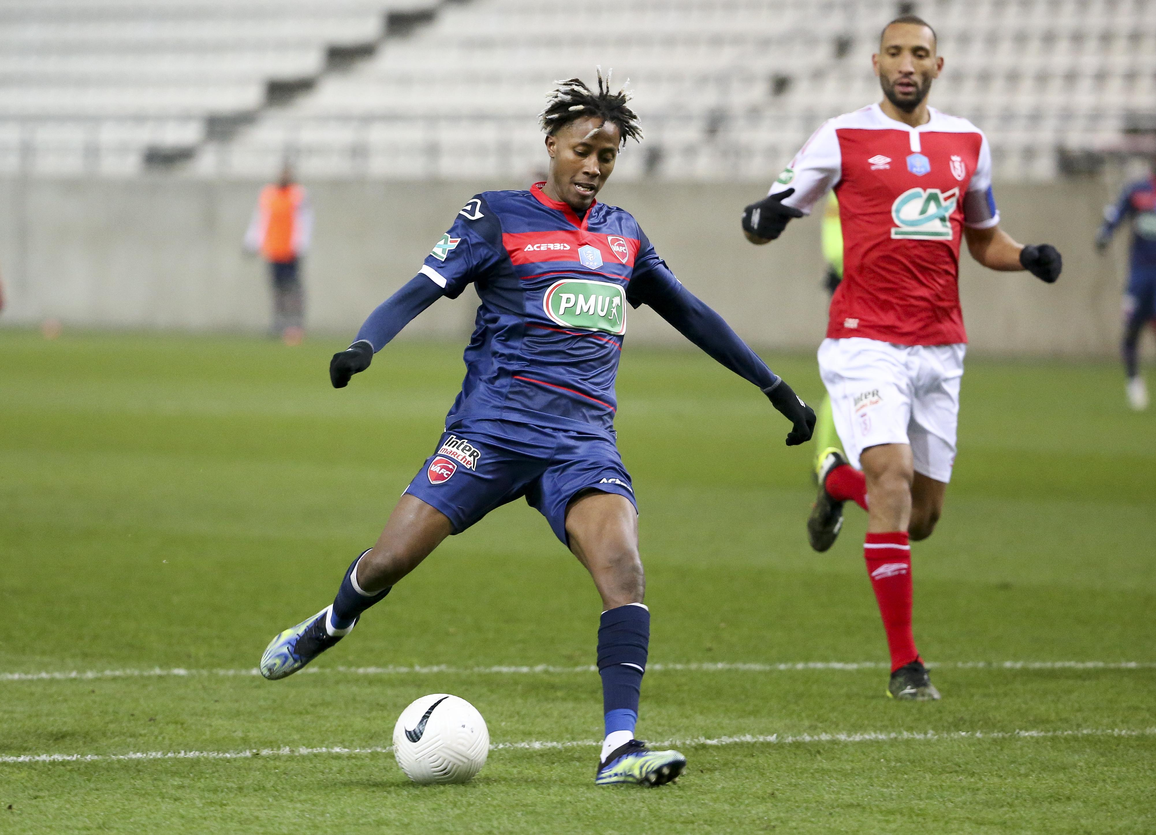 Stade de Reims v Valenciennes FC - French Cup