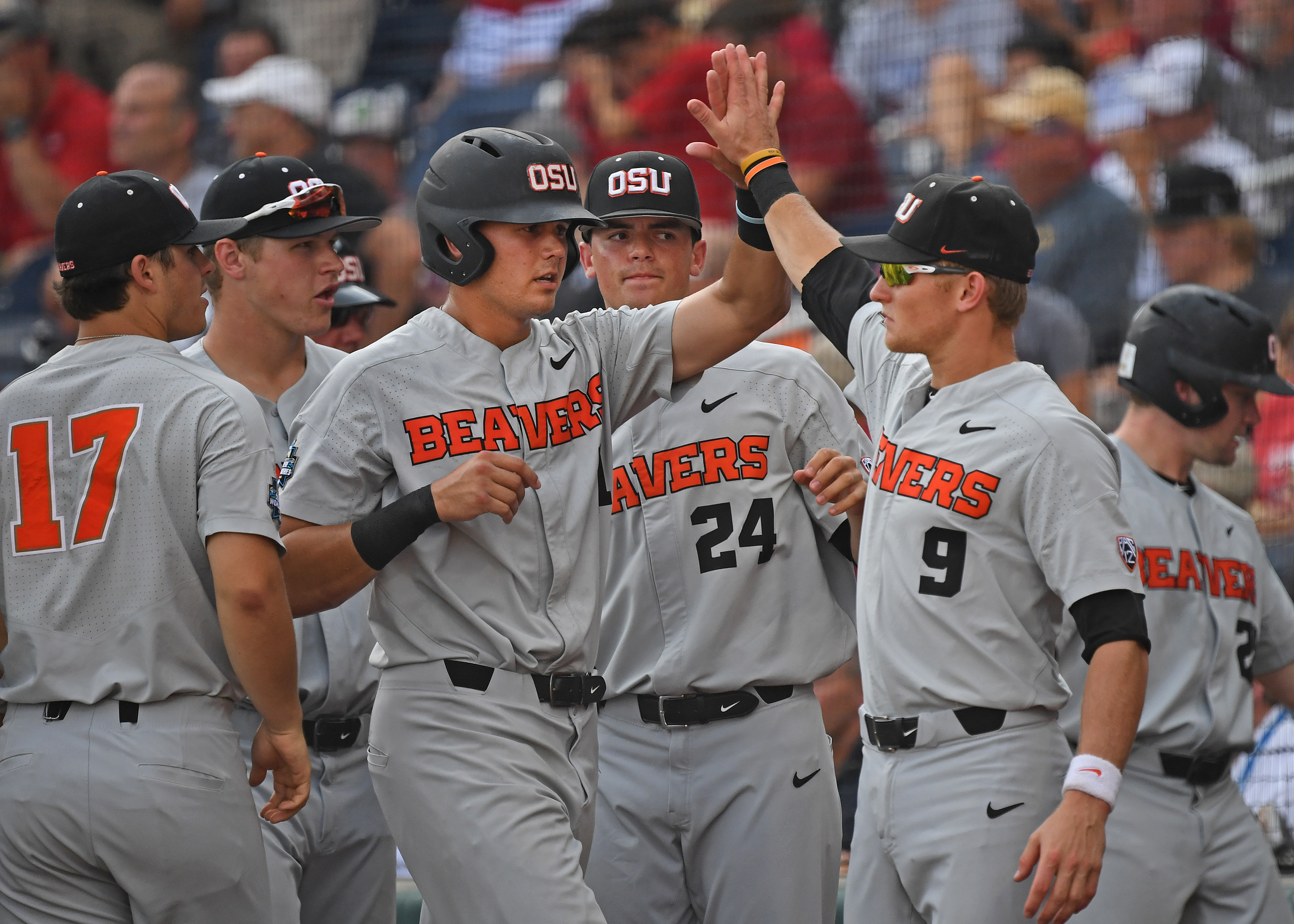 College World Series - Arkansas v Oregon State - Game Three