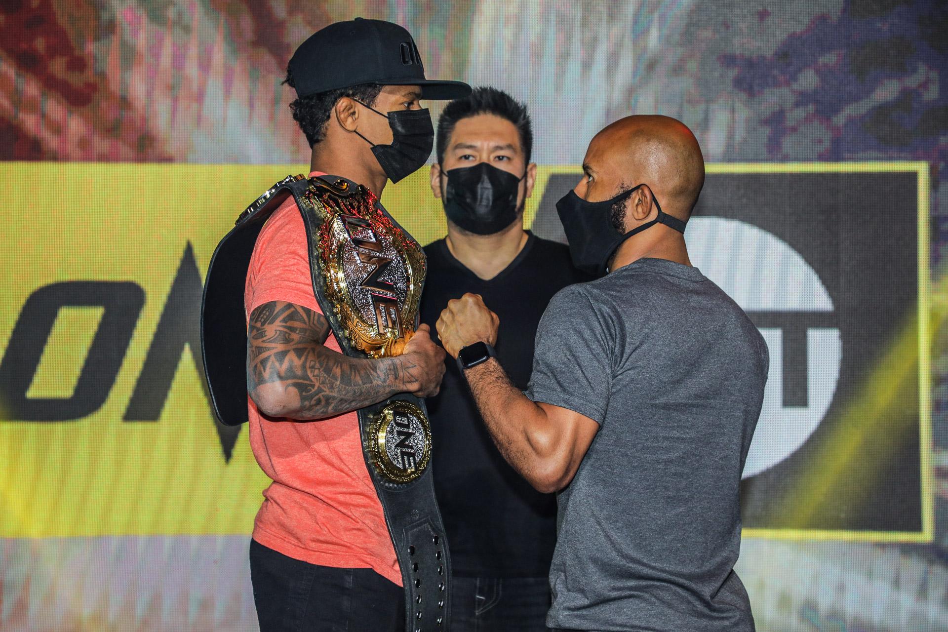 Adriano Moraes和Demetrious Johnson在TNT中