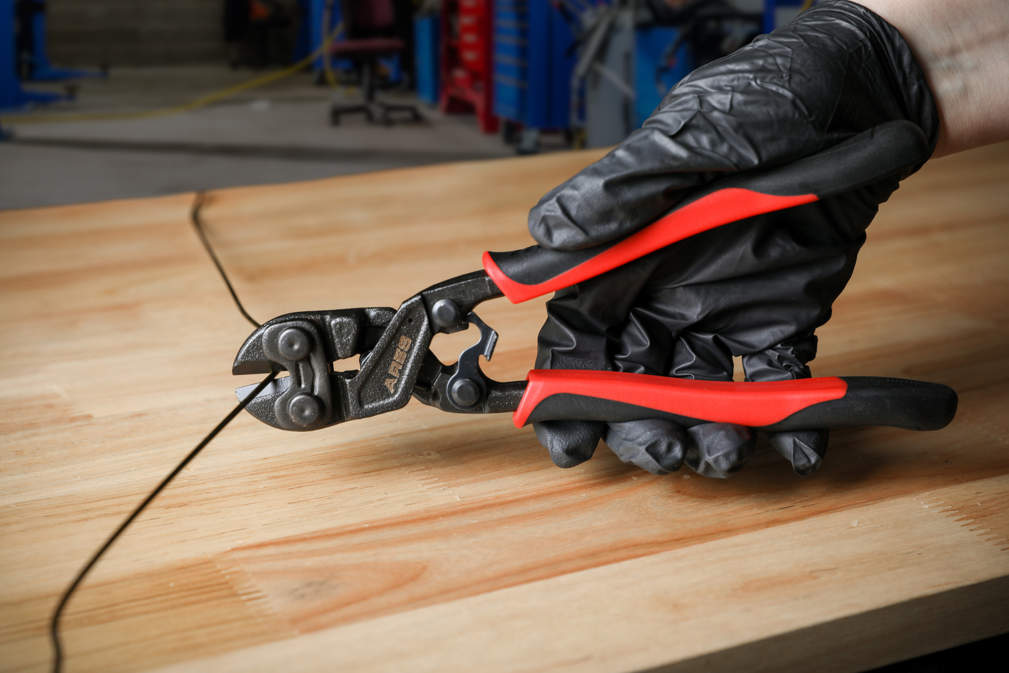 ARES Eight-Inch Mini Bolt Cutter