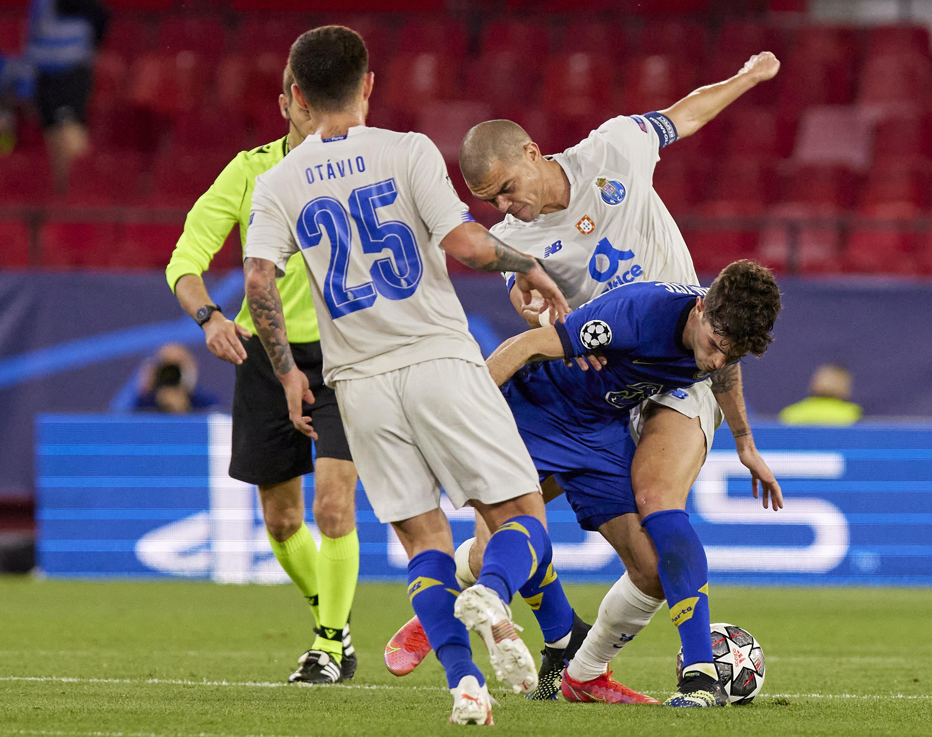 Chelsea FC v Porto - UEFA Champions League Quarter Final: Leg Two