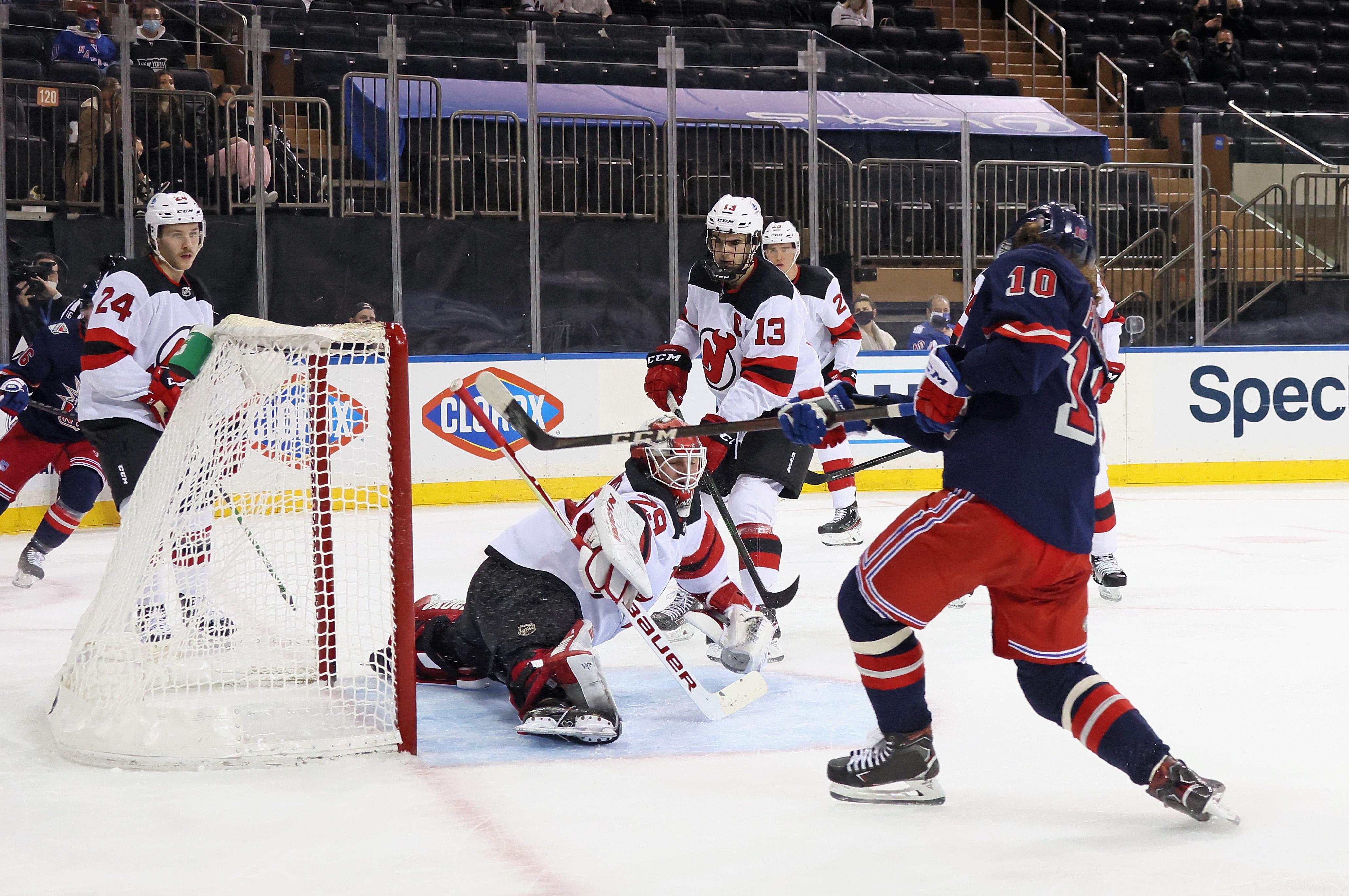 New Jersey Devils v New York Rangers