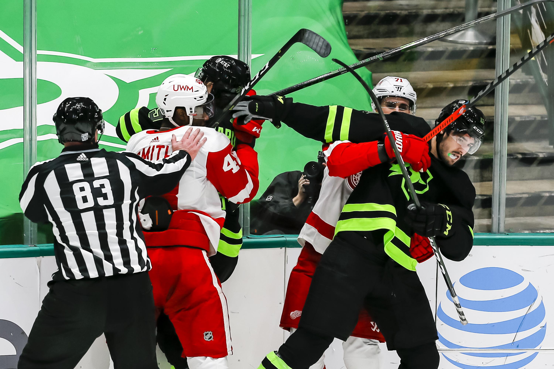 NHL: JAN 28 Red Wings at Stars