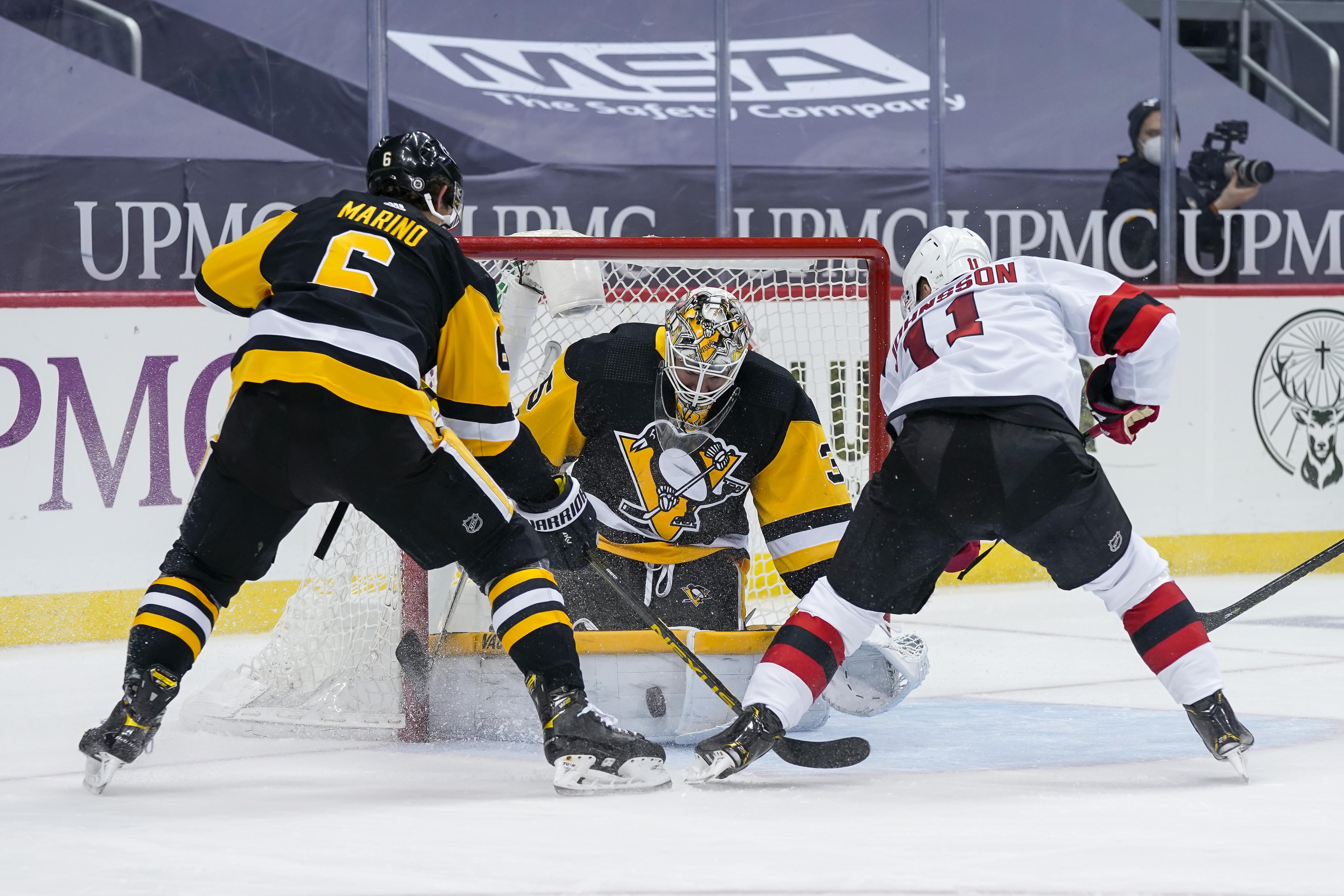 NHL: APR 20 Devils at Penguins